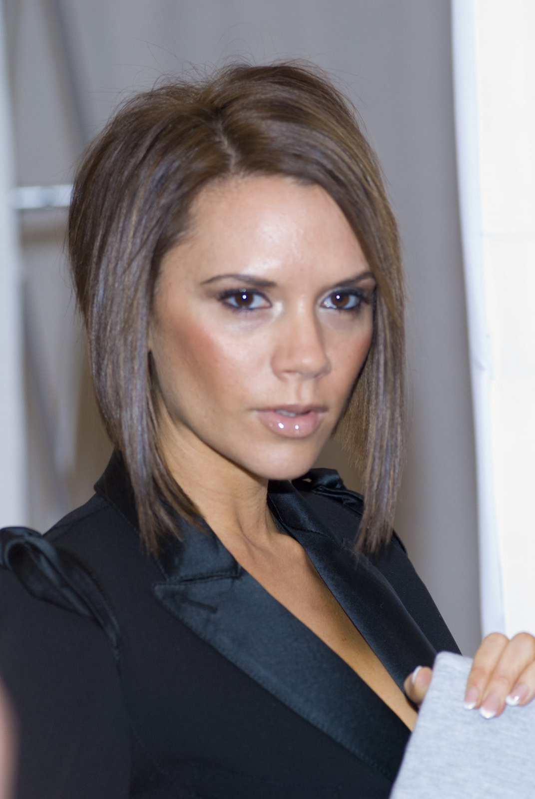 Fashionable Victoria Beckham Medium Haircuts Intended For Hairstyles Popular 2012: Celebrity Victoria Beckham Hairstyle Pictures (View 6 of 20)