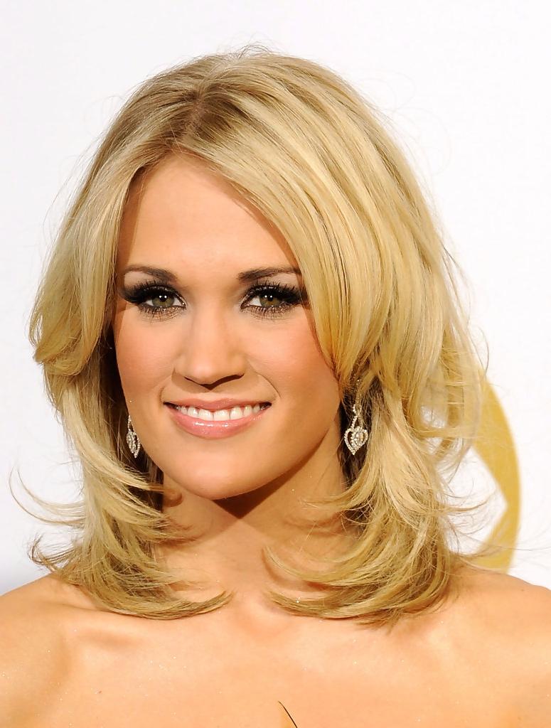 Favorite Carrie Underwood Medium Hairstyles Intended For More Pics Of Carrie Underwood Medium Curls (1 Of 12) – Shoulder (View 17 of 20)