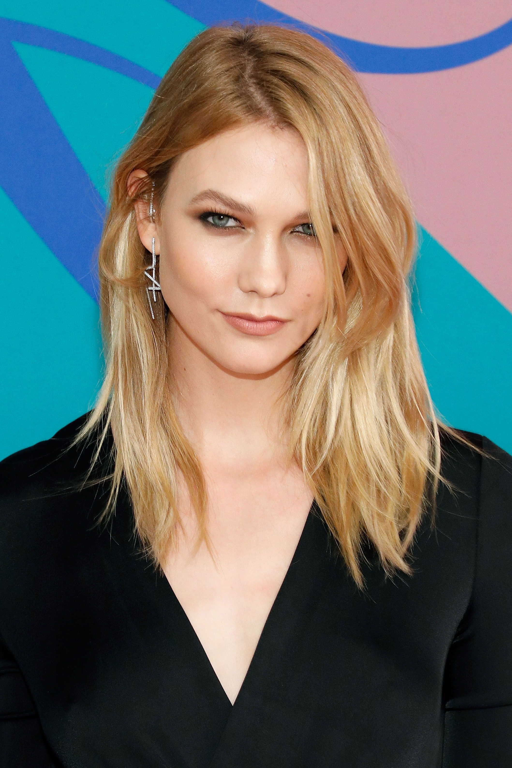 Favorite Karlie Kloss Medium Haircuts Regarding 62 Gorgeous Medium Hairstyles – Best Mid Length Haircut Ideas (View 6 of 20)