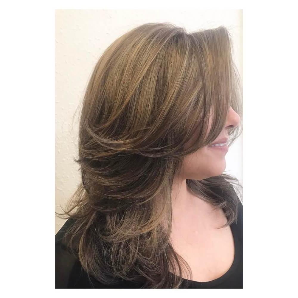 Featured Photo of Layered Medium Hairstyles