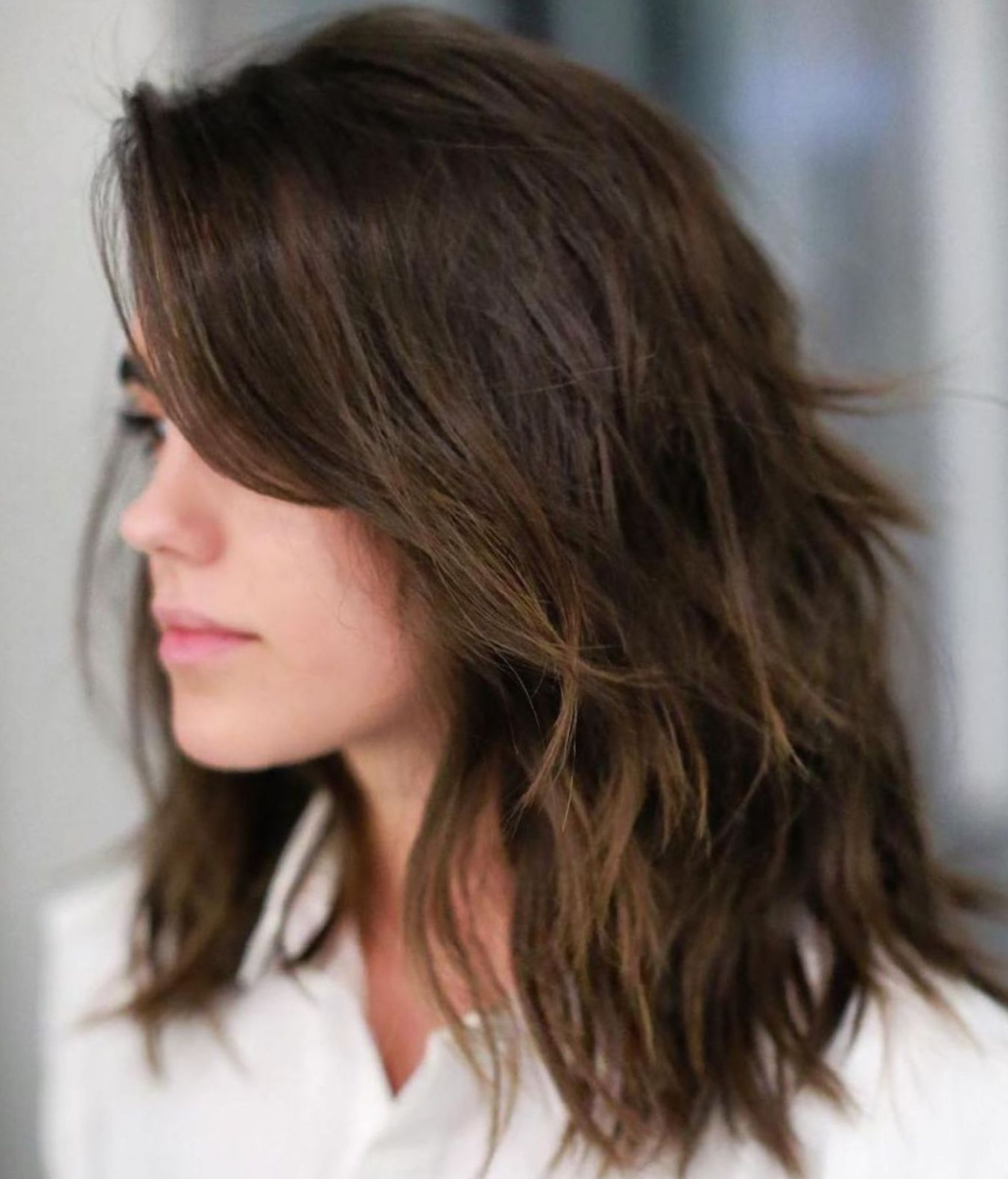 Favorite Medium Feathered Haircuts For Thick Hair Throughout 80 Sensational Medium Length Haircuts For Thick Hair (View 3 of 20)
