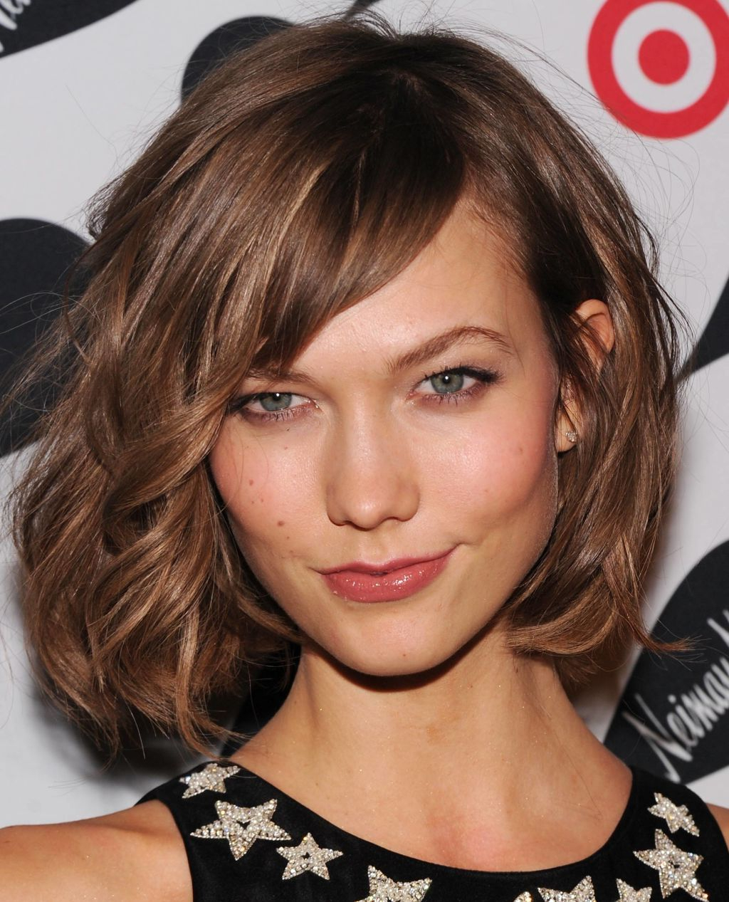 Favorite Medium Haircuts With Layers And Side Bangs Intended For Medium Length Haircuts With Layers And Side Bangs (View 11 of 20)