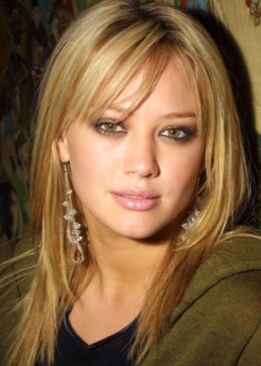 Favorite Medium Hairstyles With Side Fringe For Medium Length Hairstyles With A Side Fringe (View 12 of 20)