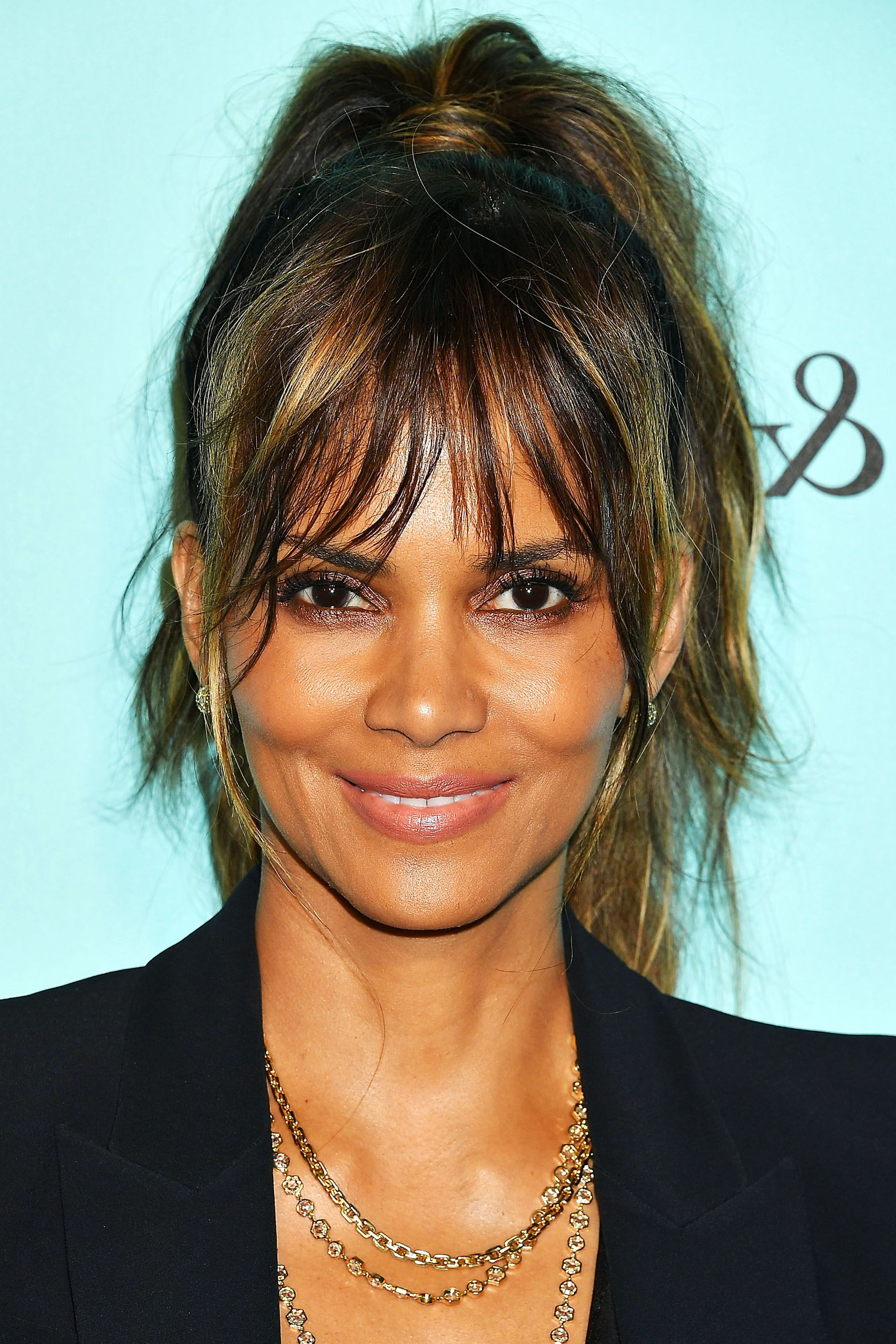 Favorite Medium Hairstyles With Swoop Bangs Regarding 112 Hairstyles With Bangs You'll Want To Copy – Celebrity Haircuts (View 16 of 20)