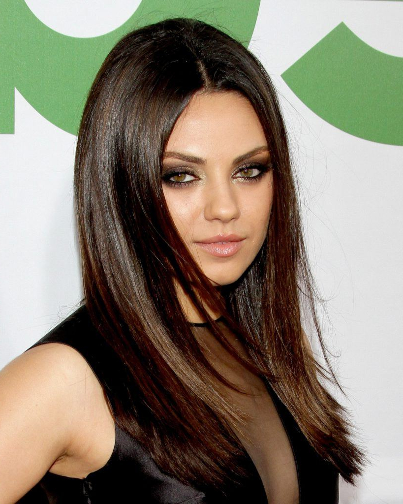 Favorite Mila Kunis Medium Hairstyles With Regard To 8 Medium Hairstyles For Round Faces To Lengthen & Enhance Your (View 6 of 20)