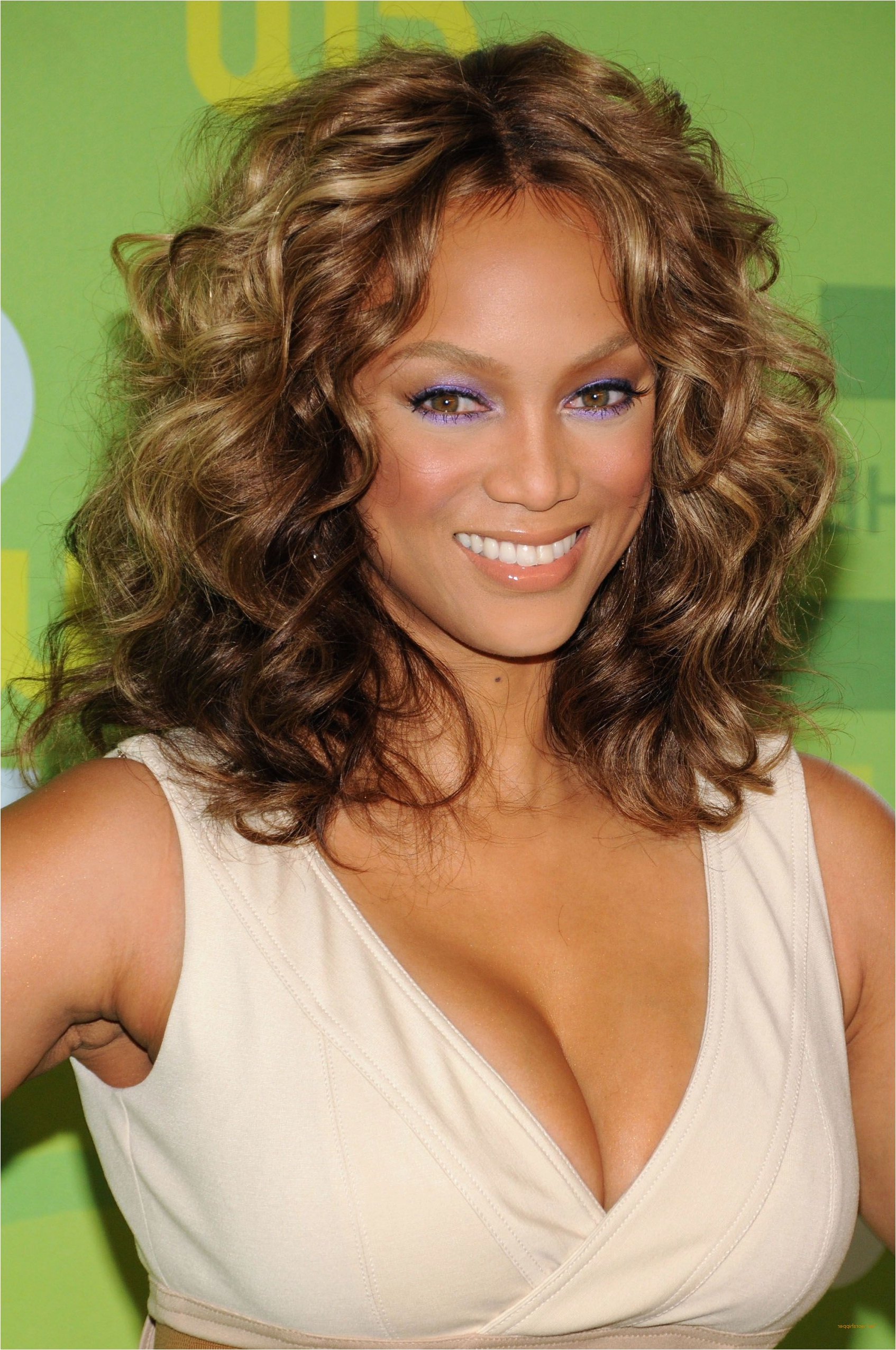 Favorite Tyra Banks Medium Hairstyles Pertaining To Hairstyle Ideas For Medium Length Straight Hair Luxury Tyra Banks (View 7 of 20)