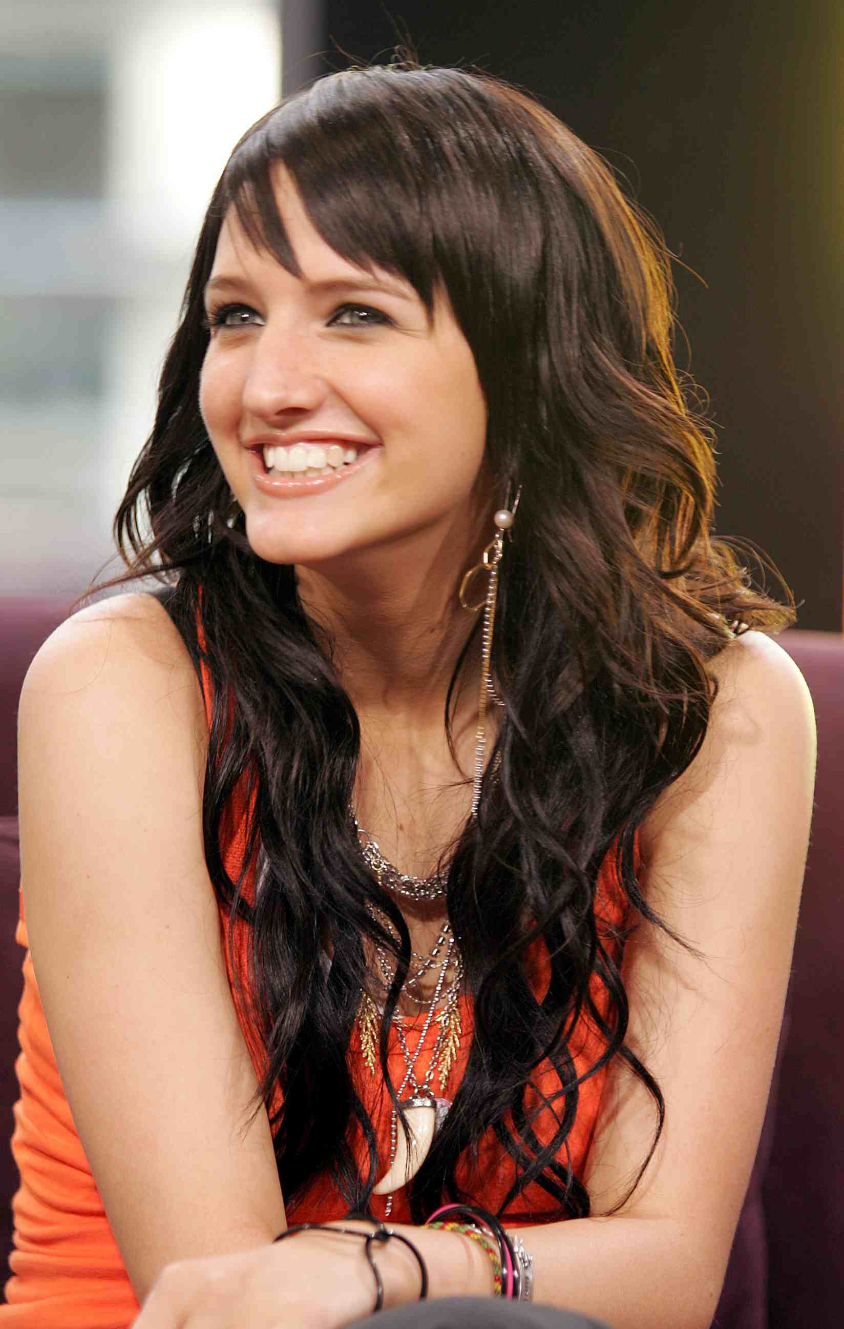 From Short To Long: 24 Fabulous Shag Haircuts In Most Current Ashlee Simpson Medium Hairstyles (Gallery 20 of 20)