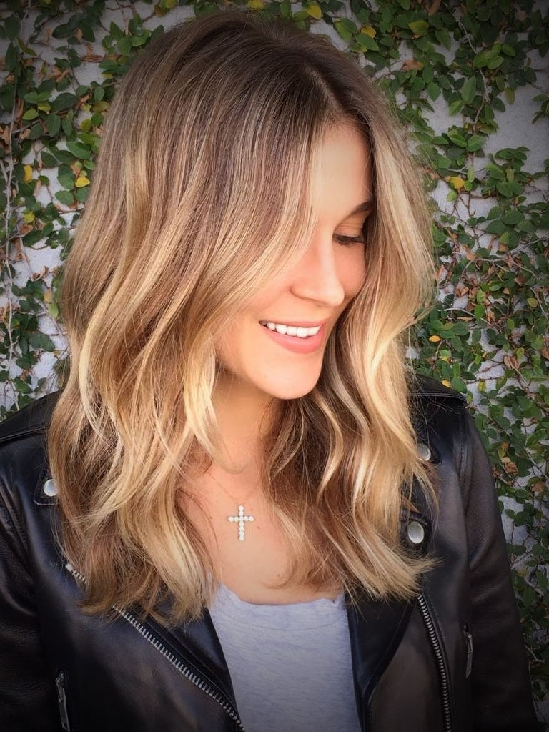 Hair Color : Celebrity Inspiration Medium Blonde Hairstyles Intended For Current Medium Hairstyles For Round Face And Fine Hair (View 8 of 20)