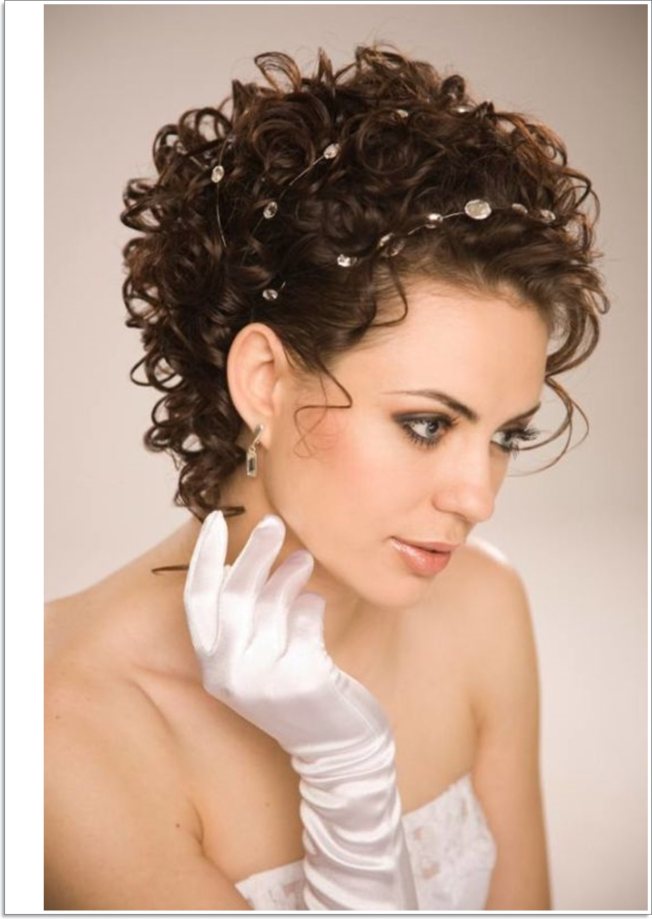Hair Cuts : Astonishing Nice Short Hairstyles For Naturally Curly For Preferred Medium Haircuts For Naturally Curly Hair And Round Face (View 7 of 20)