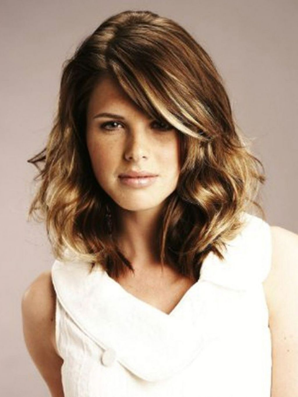 Featured Photo of Medium Medium Haircuts For Thick Wavy Hair
