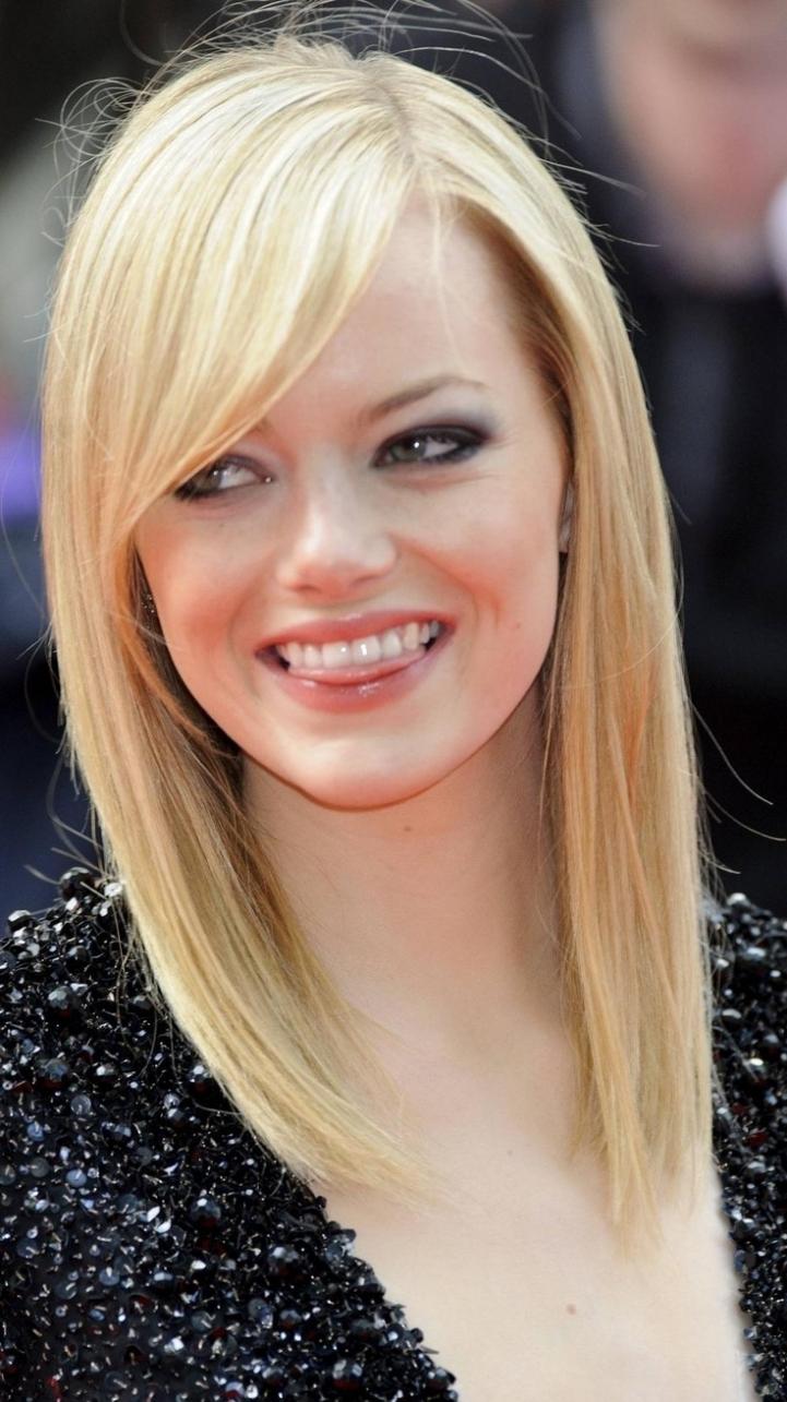 Hair Cuts : Hairstyles Layered Medium Haircut With Side Bangs Within Newest Medium Haircuts With Side Bangs (View 6 of 20)