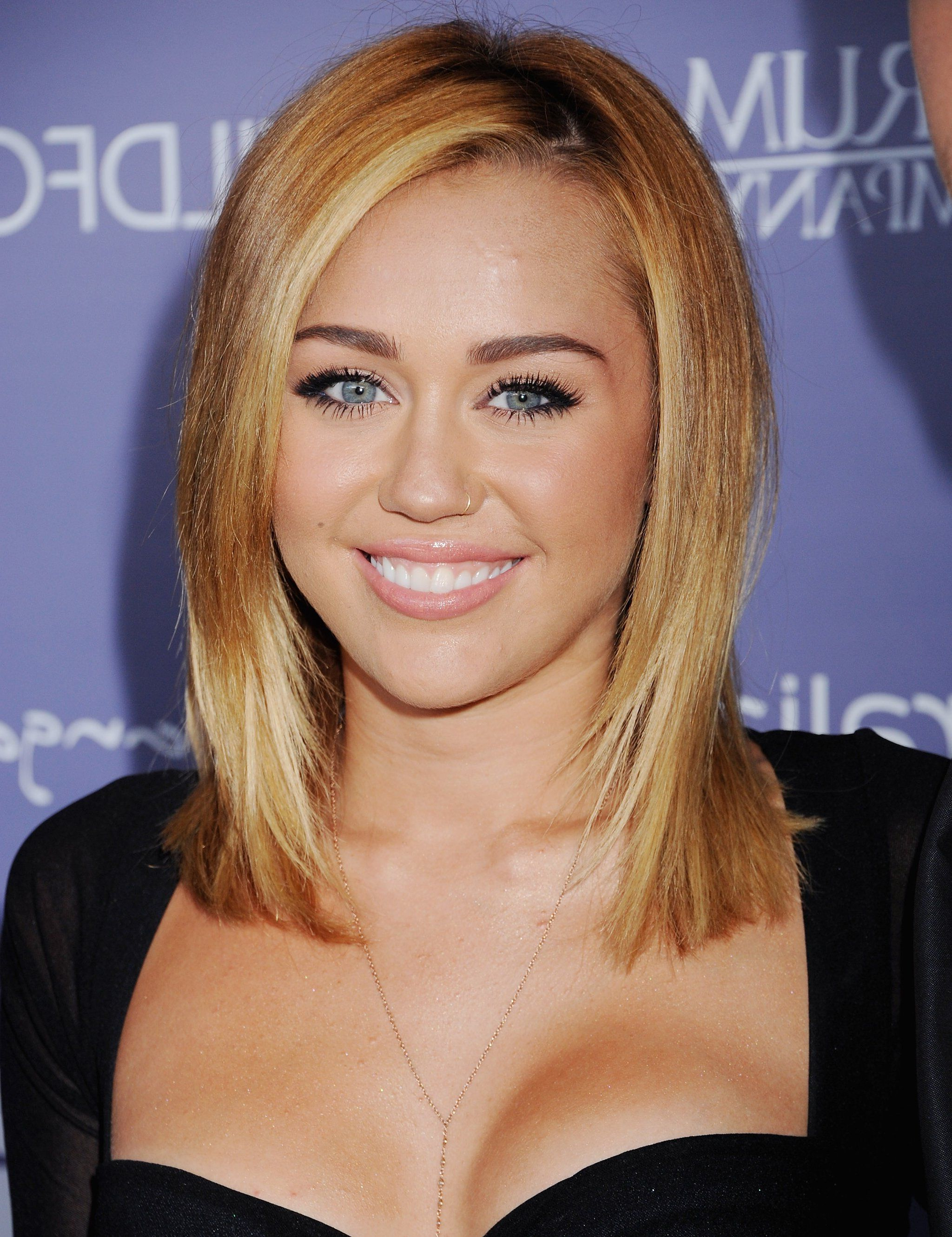 Hair, Hair Styles And Hair Cuts Inside Recent Medium Haircuts Like Miley Cyrus (View 6 of 20)