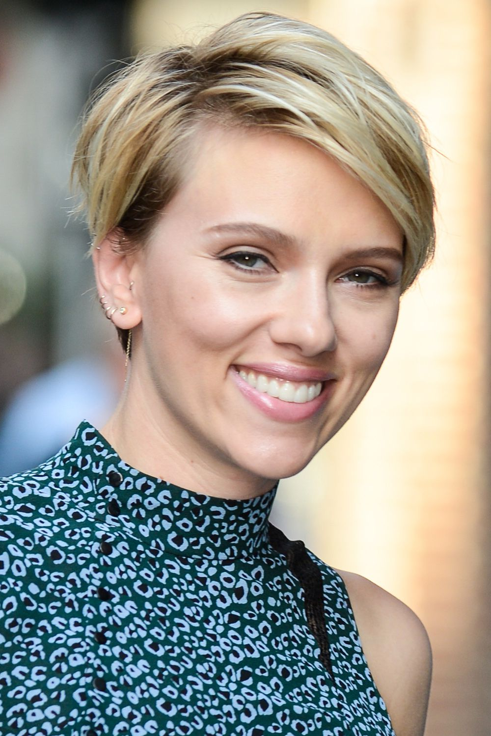 Hair Intended For Current Scarlett Johansson Medium Haircuts (View 11 of 20)