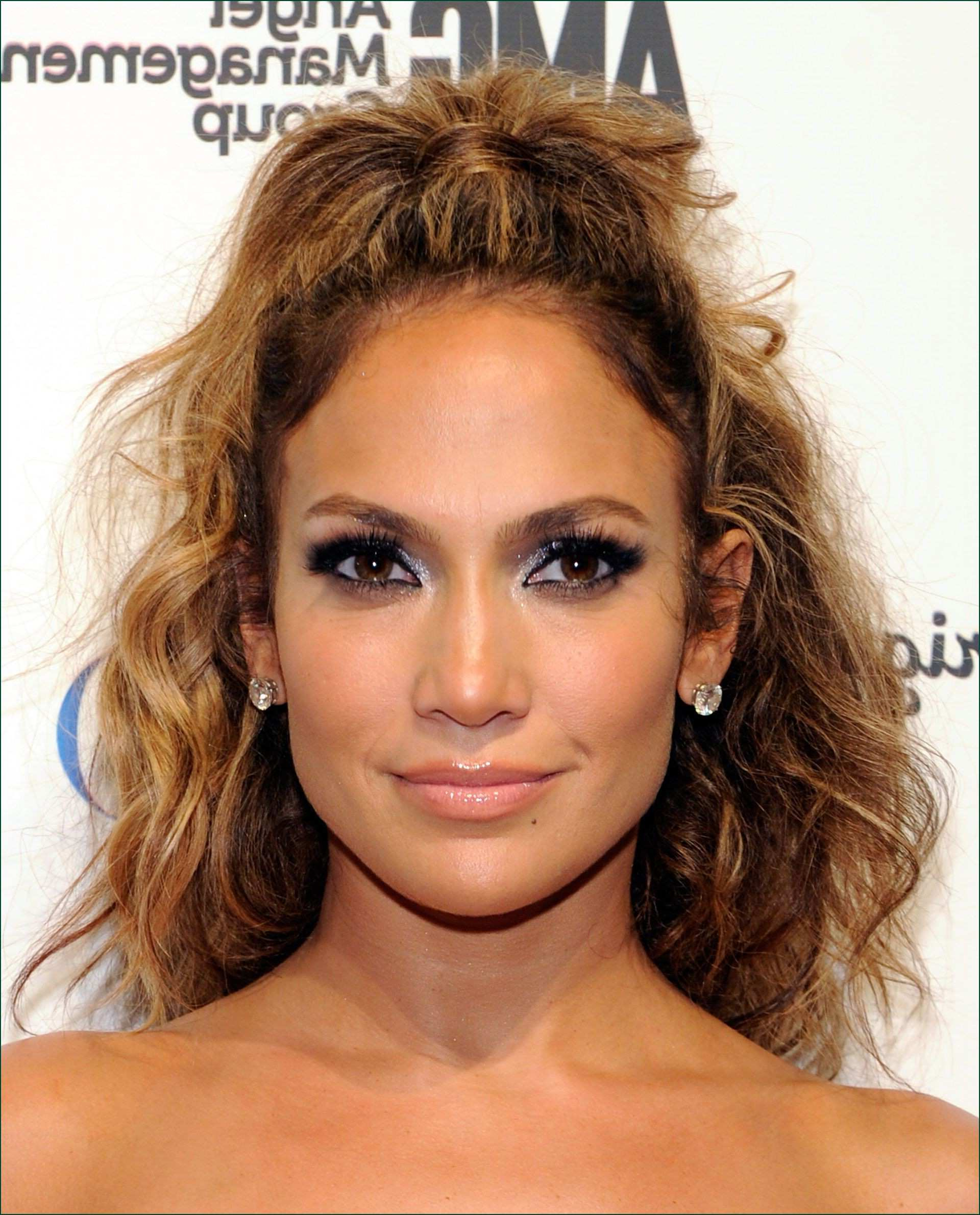 Hairstyles For Women With Big Noses Adorable F74E 42 Easy Curly In Well Known Medium Hairstyles For Big Noses (View 10 of 20)