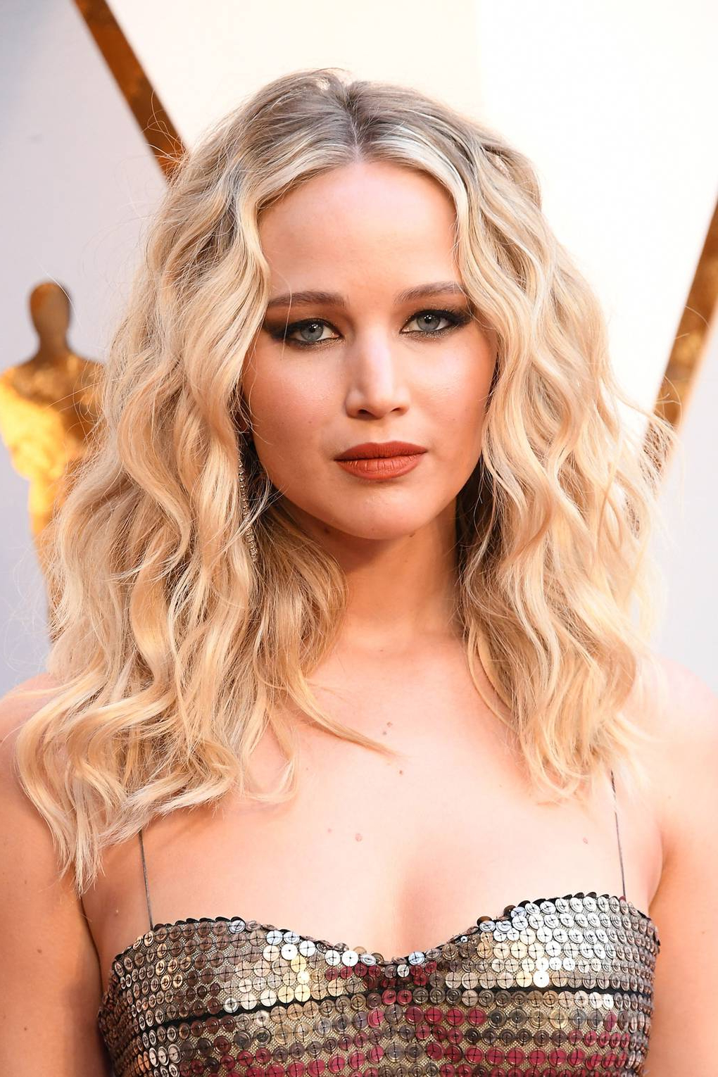 Jennifer Lawrence: Hair & Hairstyles Photos (Gallery 2 of 20)