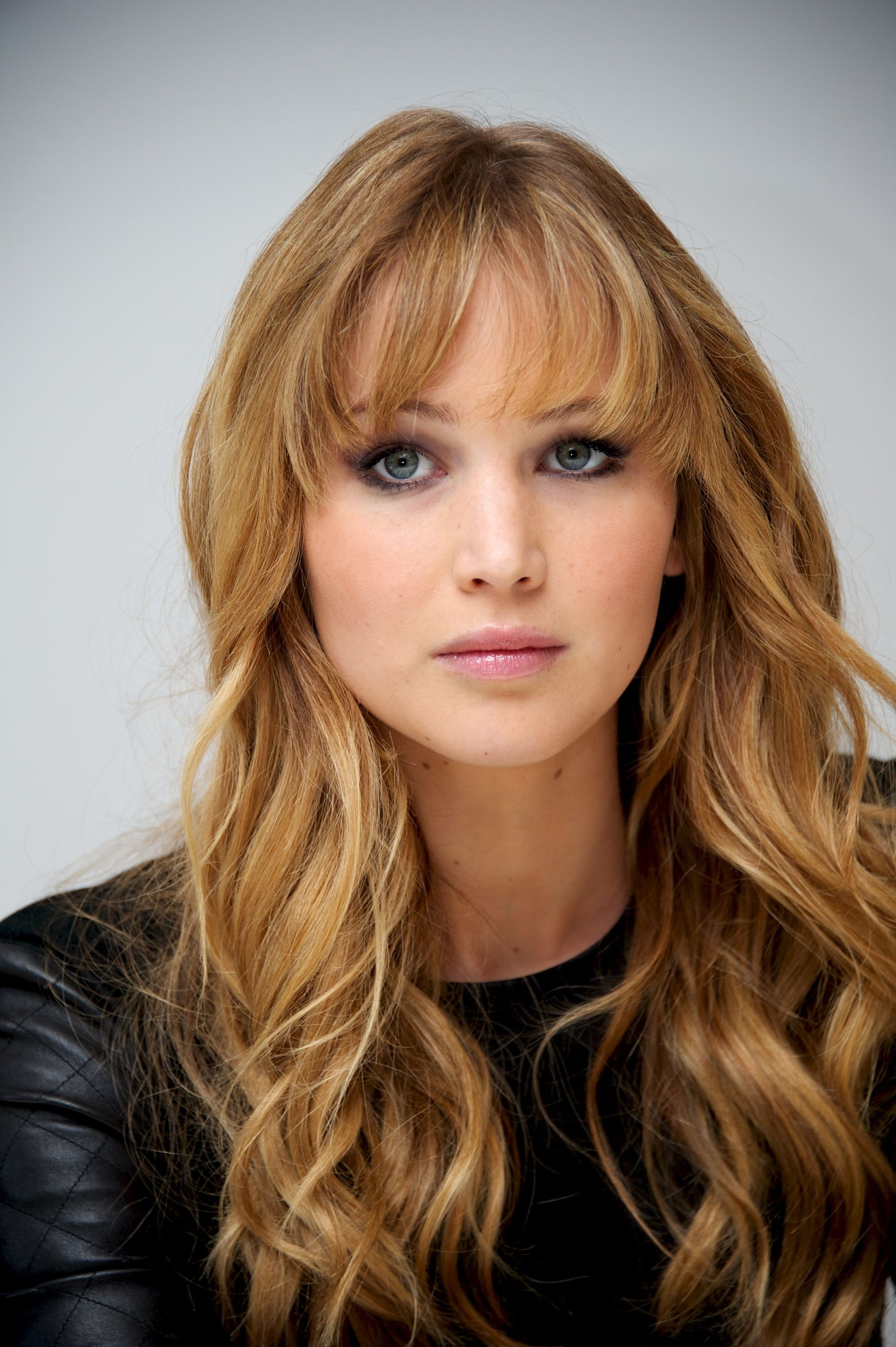 Jennifer Lawrence Hair Stylist Unique 33 Curly Hairstyles For 2018 With Regard To Well Liked Jennifer Lawrence Medium Hairstyles (View 9 of 20)
