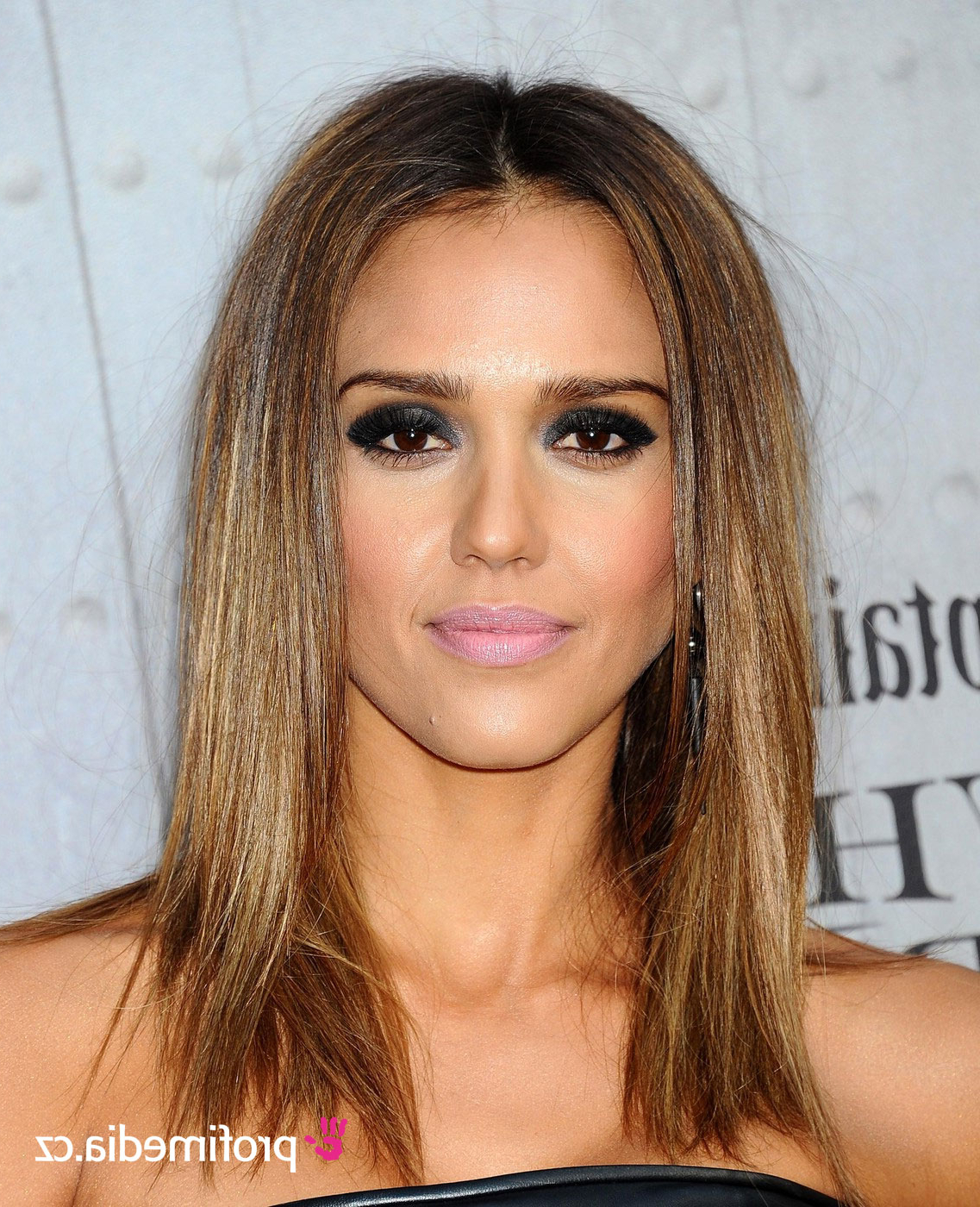 Jessica Alba – – Hairstyle – Easyhairstyler Within Current Jessica Alba Medium Haircuts (Gallery 14 of 20)