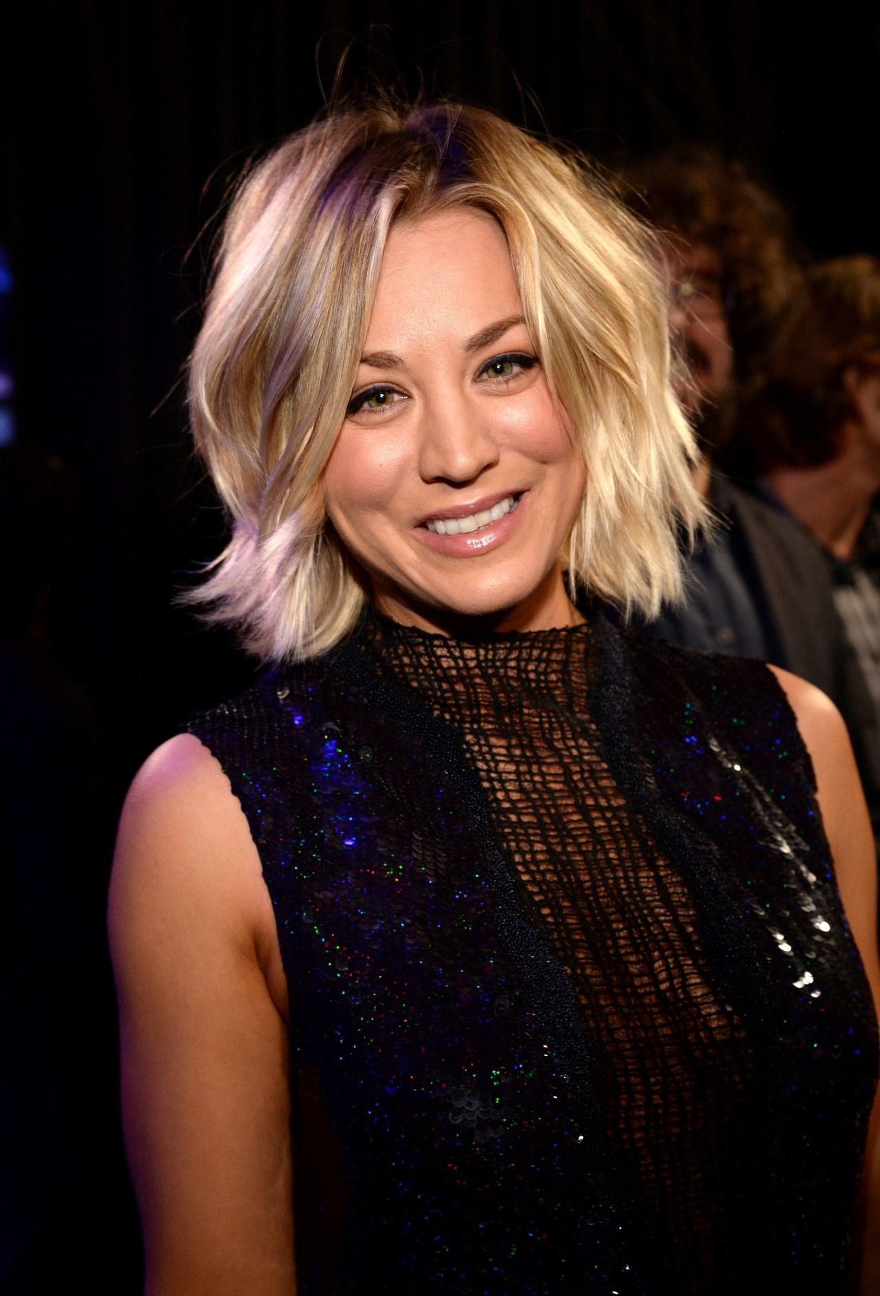 Kaley Cuoco Hair Evolution: See How She Grew Out Her Pixie (Gallery 4 of 20)