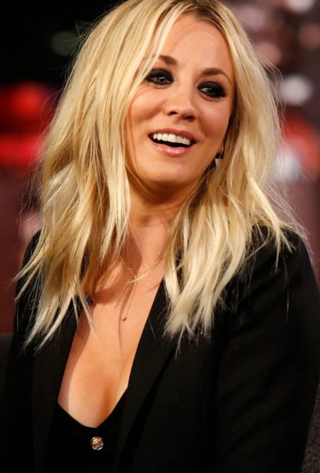Kaley Cuoco Hair – Hairstyles (Gallery 2 of 20)