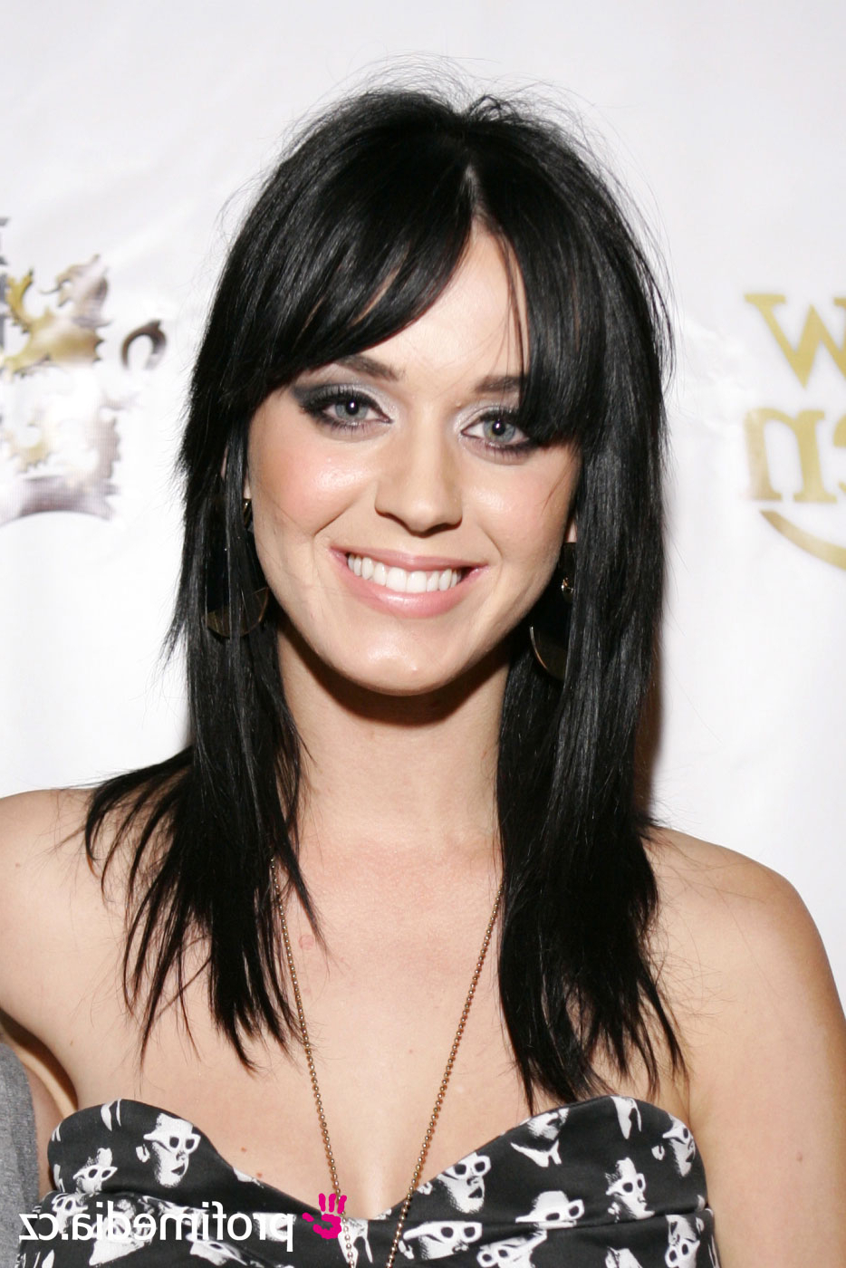 Featured Photo of Katy Perry Medium Hairstyles