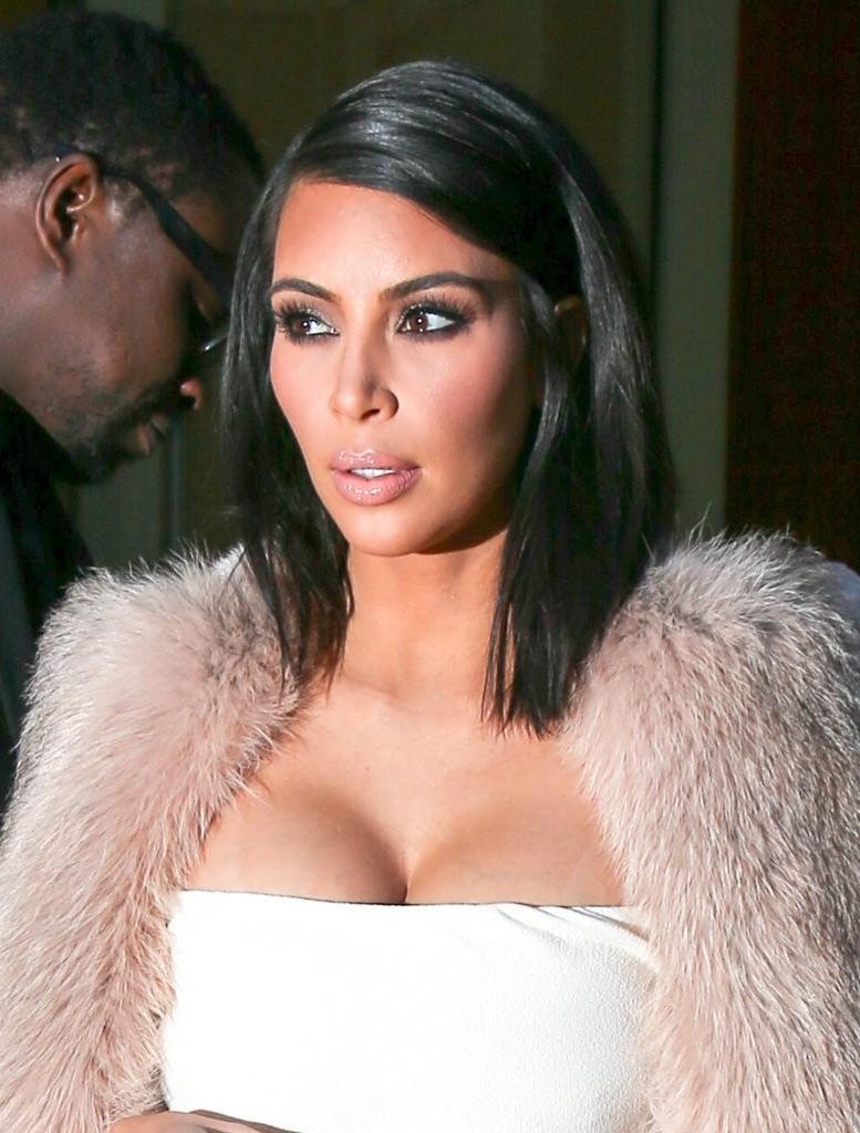Kim Kardashian Shoulder Length Hairstyles – Kim Kardashian Hair In Well Known Kim Kardashian Medium Haircuts (Gallery 4 of 20)