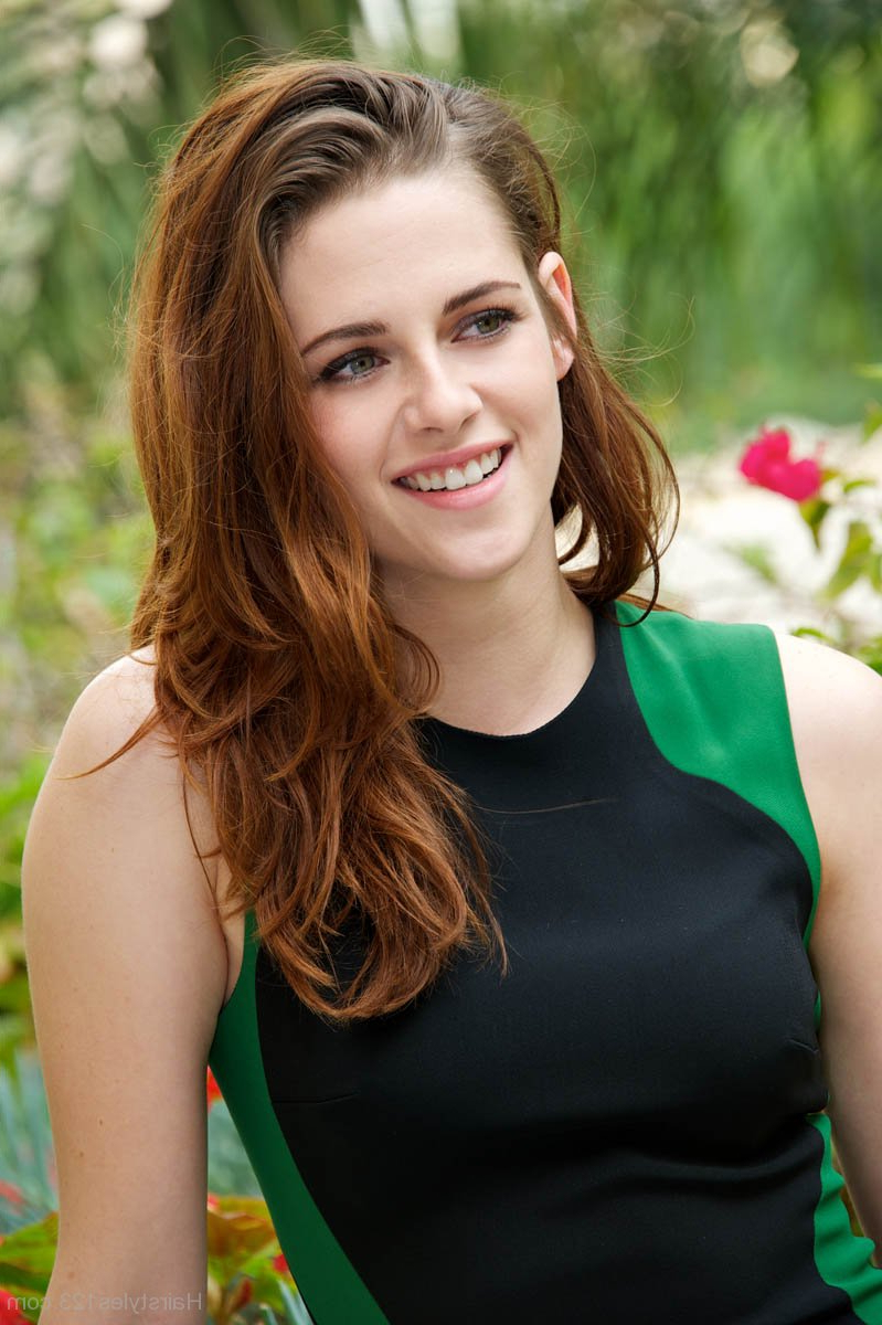 Kristen Stewart – Page 10 Within Preferred Kristen Stewart Medium Hairstyles (View 11 of 20)