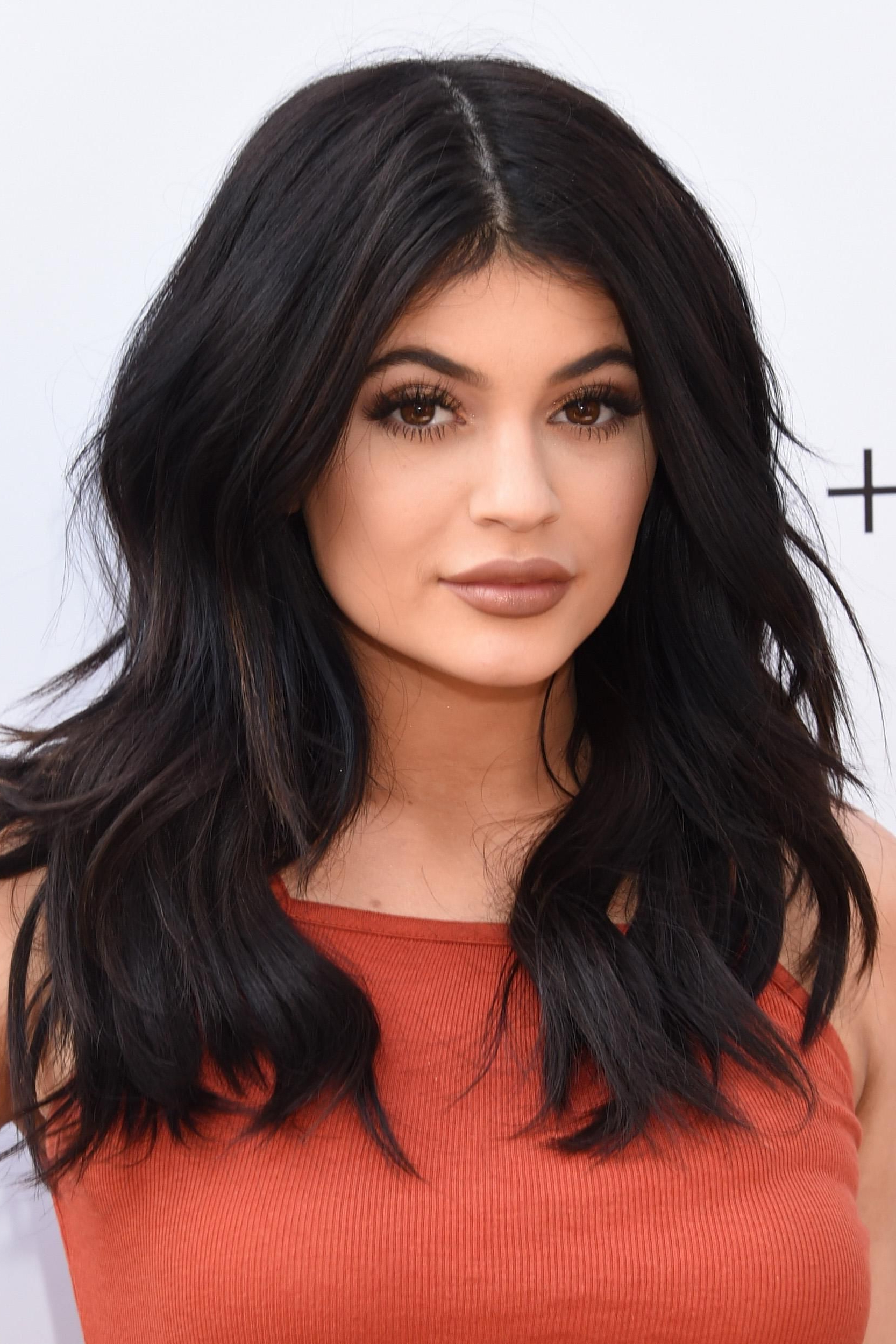 Kylie Jenner's Beauty Look Has Changed So Much Over The Years In For Favorite Kylie Jenner Medium Haircuts (Gallery 3 of 20)