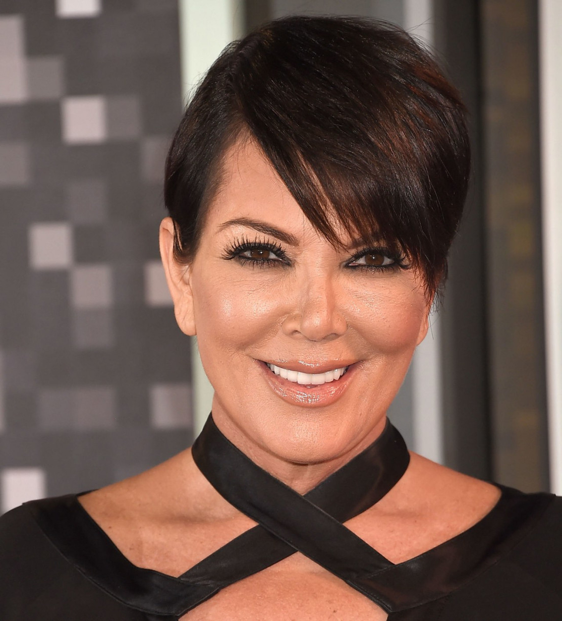 Latest Hairstyles And Haircuts For Women And Men Within Popular Kris Jenner Medium Haircuts (View 11 of 20)