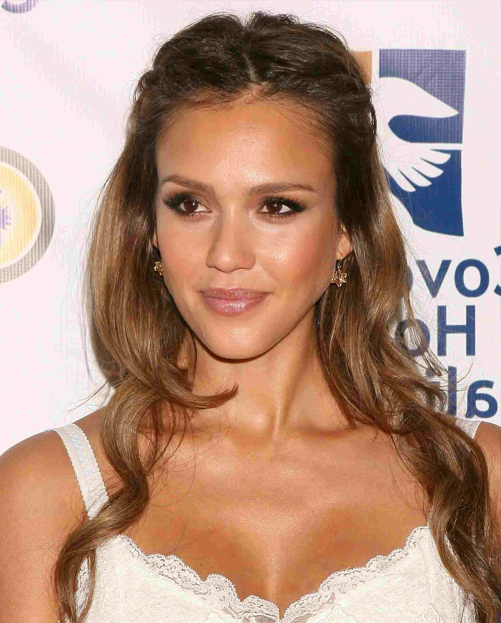 Latest Jessica Alba Medium Hairstyles Inside Marie Jessica Alba Haircut 2017 Claireus Image Maker Awards On Jan (View 11 of 20)