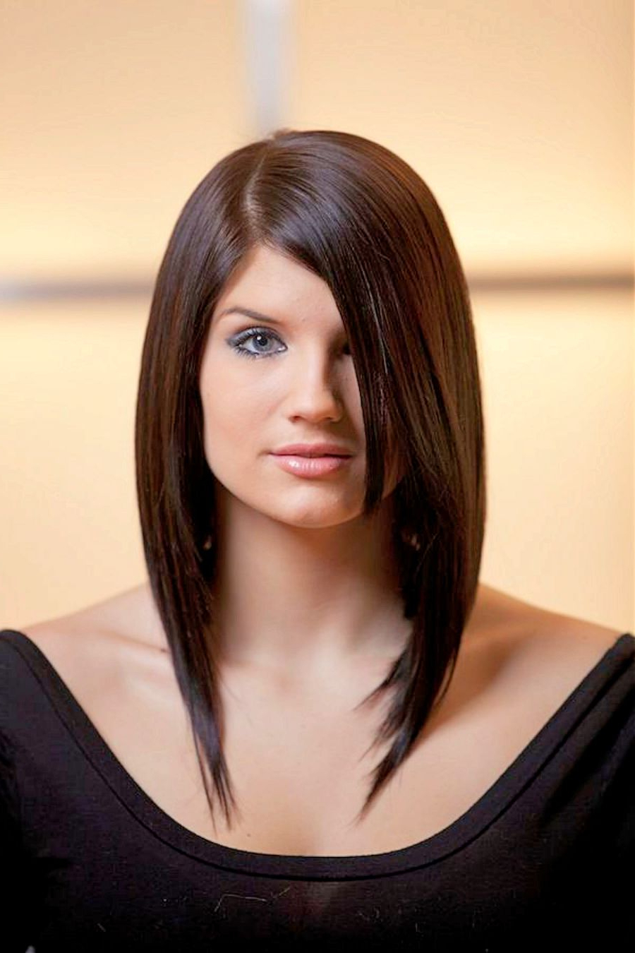 Latest Medium Haircuts For Women With Round Faces In Go For These Medium Haircuts For Women If You Have Thick Hair (View 9 of 20)
