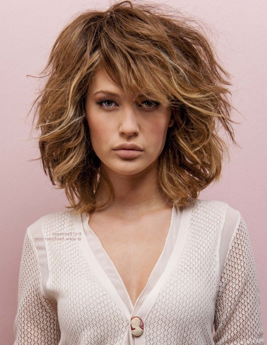 Layered Pertaining To Well Known Easy Maintenance Medium Hairstyles (Gallery 20 of 20)