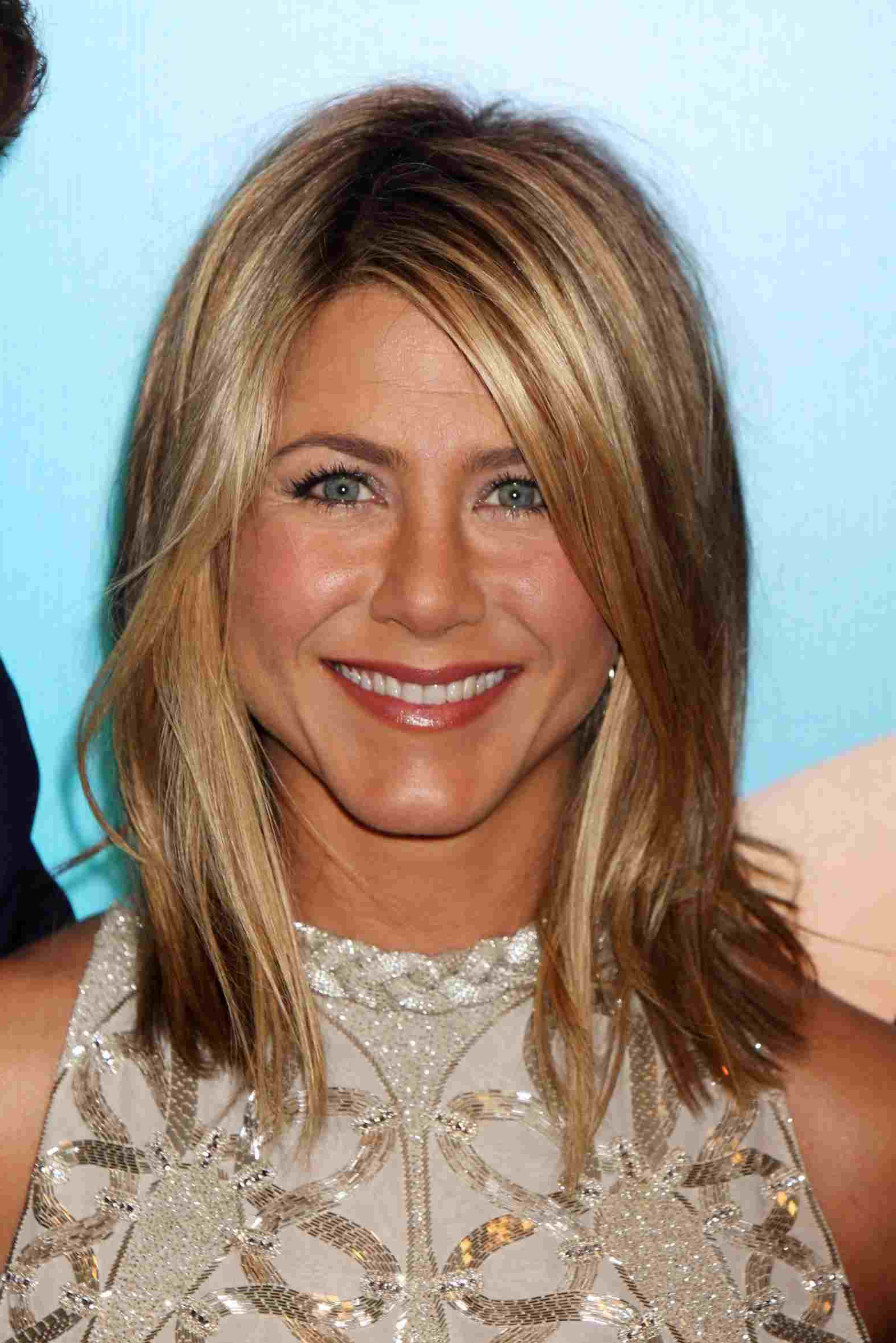 Long Medium Length Hairstyles 2013 For Round Faces Layered Haircuts With Regard To Most Recently Released Medium Haircuts For Round Faces And Thin Hair (Gallery 10 of 20)
