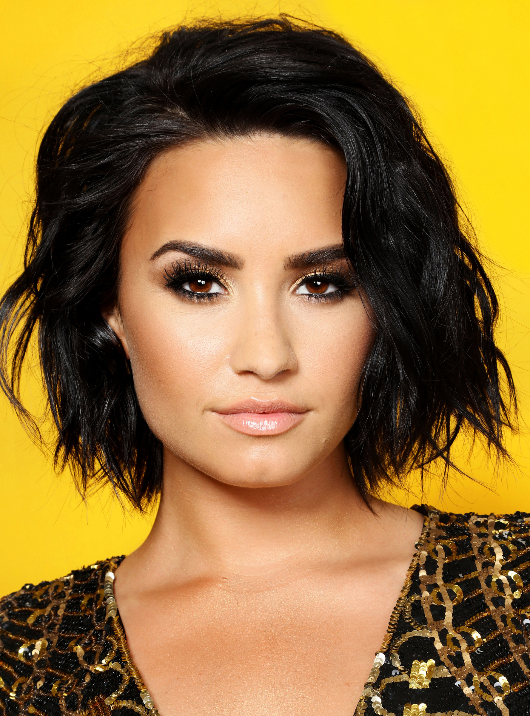 Look In Best And Newest Demi Lovato Medium Haircuts (View 9 of 20)