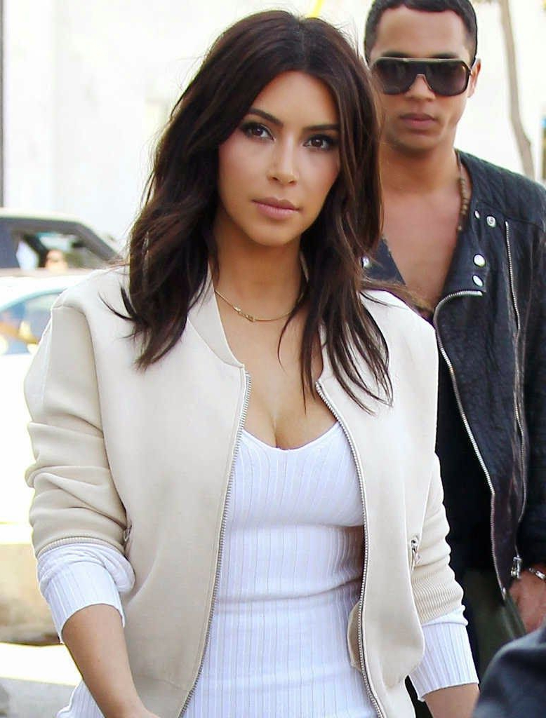 Makeup Lessons From Kim Kardashian's Signature Look (View 3 of 20)