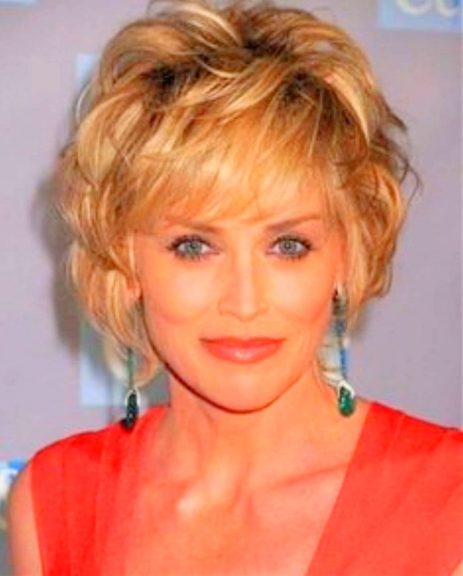 Medium Hairstyles For Women Over 40 With Bangs (View 8 of 20)