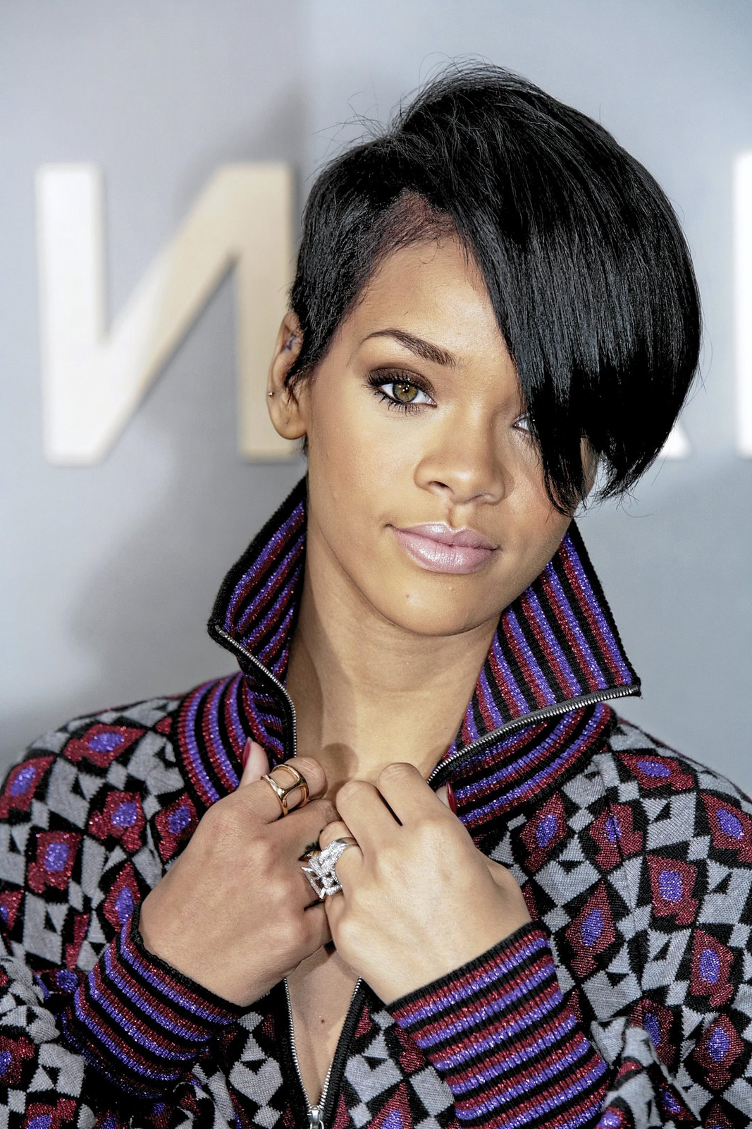 Medium Hairstyles,medium Hair Styles,medium Hairstyles: Short With Fashionable Really Medium Haircuts For Black Women (View 7 of 20)