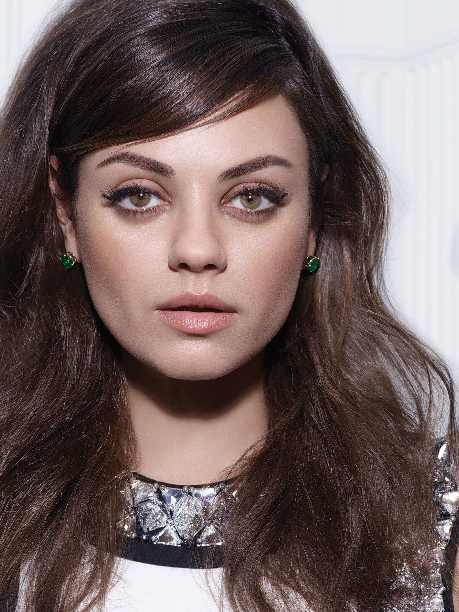 Mila Kunis Just Stepped Out With The Haircut Of The Season: A Short With Fashionable Mila Kunis Medium Hairstyles (View 10 of 20)