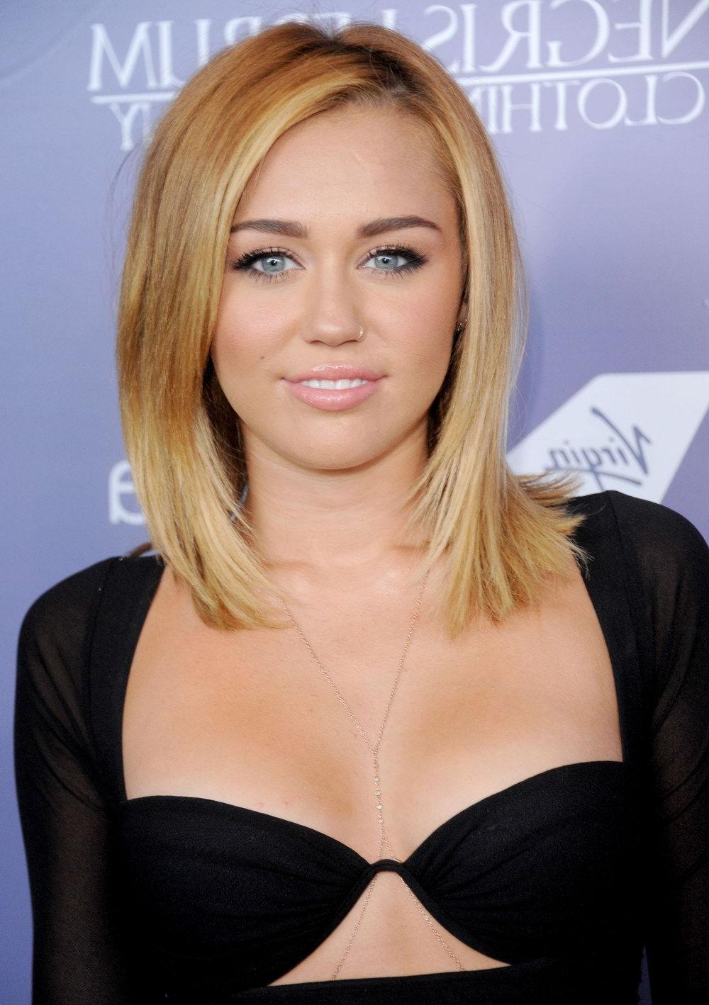 Miley Cyrus : Elle Se Laisse Pousser Les Cheveux (View 8 of 20)