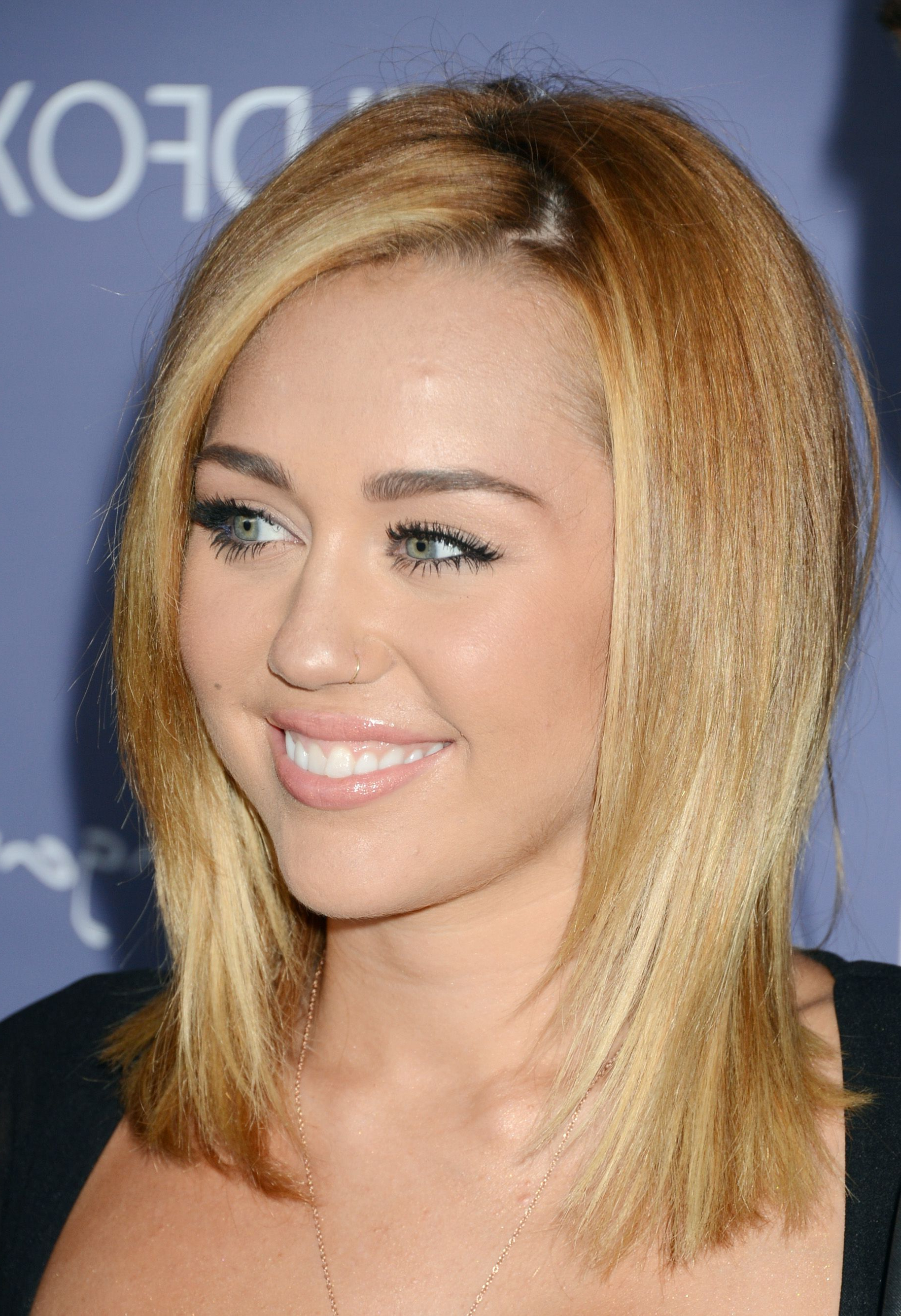 Miley Cyrus, Miley Cyrus With Favorite Miley Cyrus Medium Hairstyles (View 13 of 20)