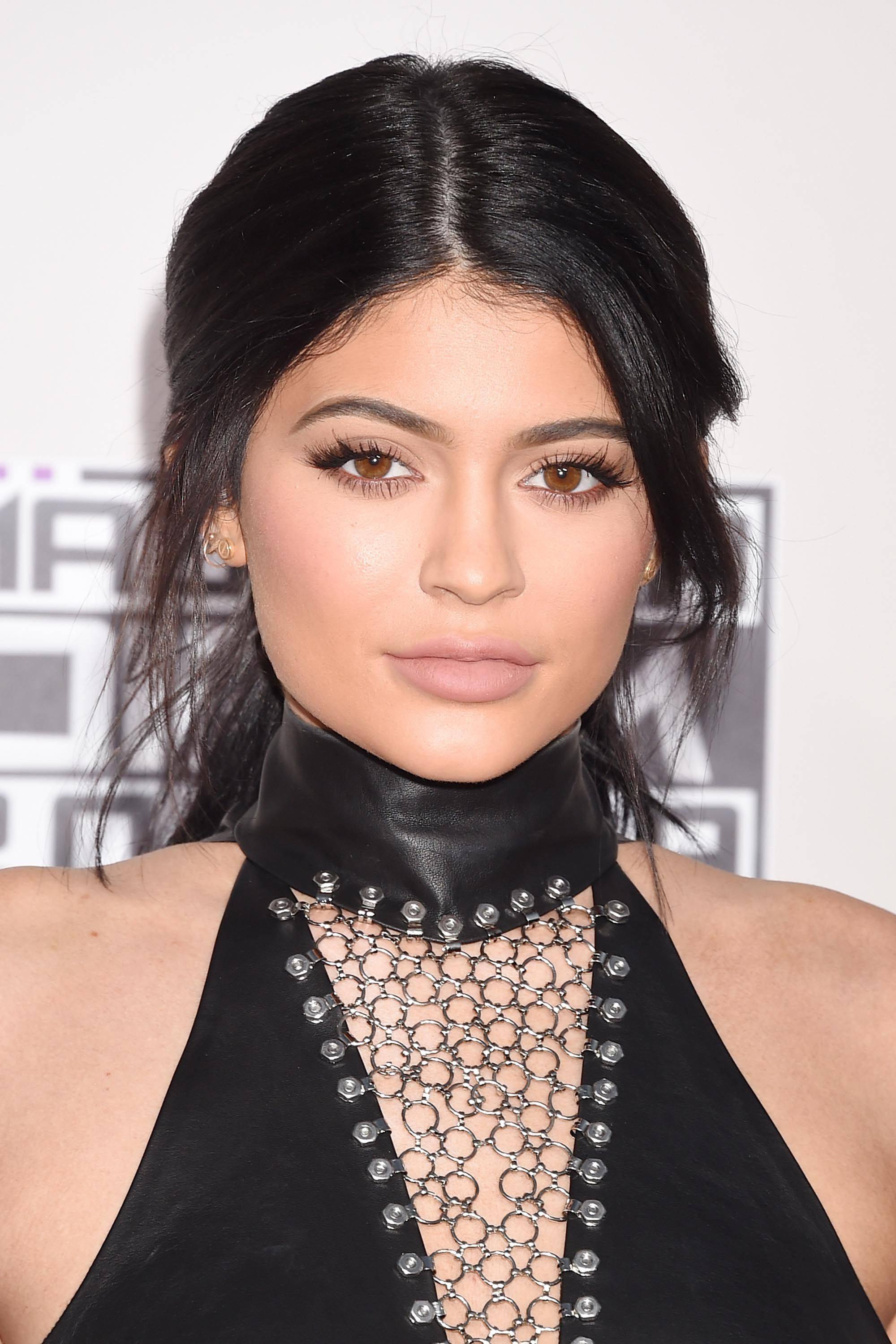 Most Current Kris Jenner Medium Hairstyles With Regard To Kris Jenner Hairstyles Awesome How You Can Attend Kylie Jenner (View 18 of 20)