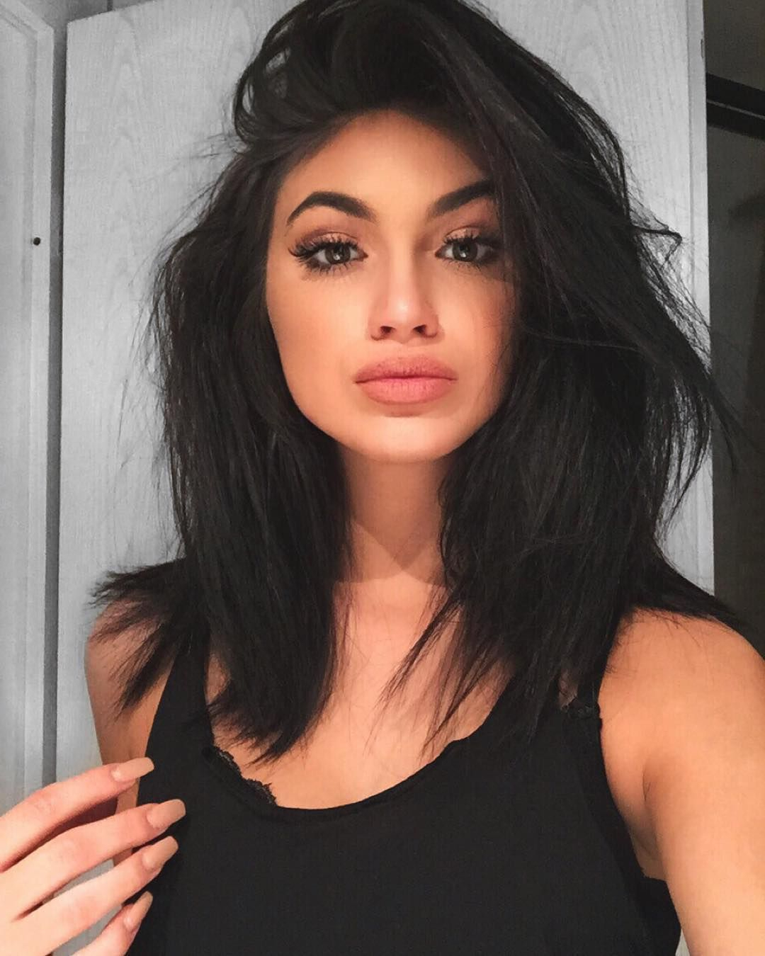 Featured Photo of Kylie Jenner Medium Haircuts