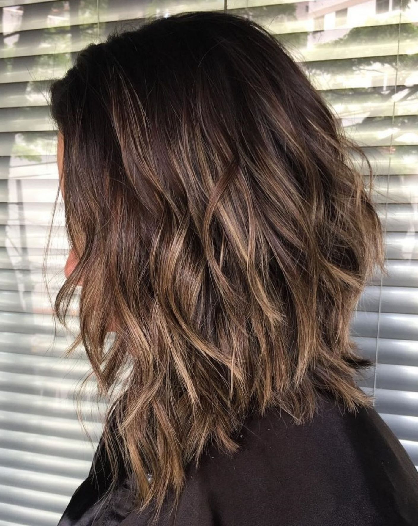 Most Popular Caramel Lob Hairstyles With Delicate Layers Pertaining To 70 Brightest Medium Layered Haircuts To Light You Up In  (View 15 of 20)