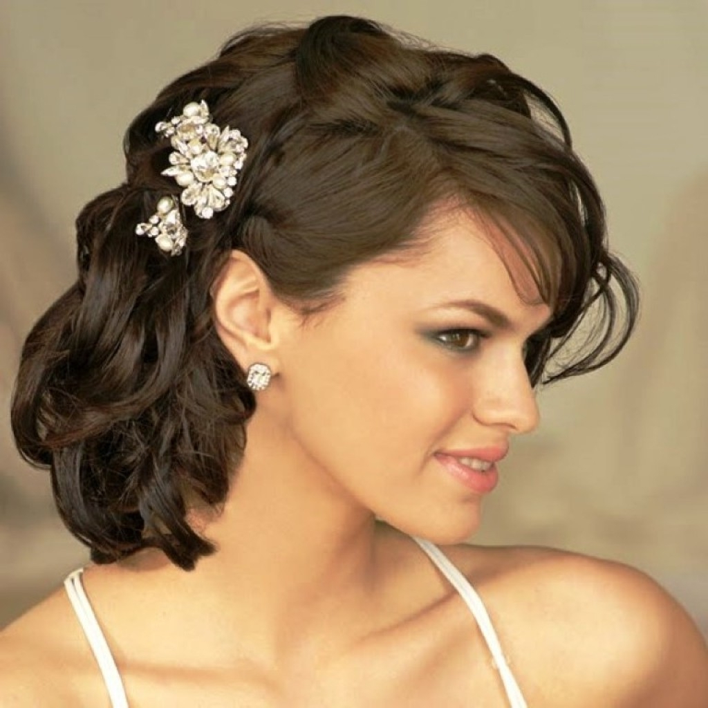 Most Popular Elegant Medium Hairstyles For Weddings Within Women Hairstyle : Delightful Wedding Hairstyle For Medium Long Hair (View 3 of 20)