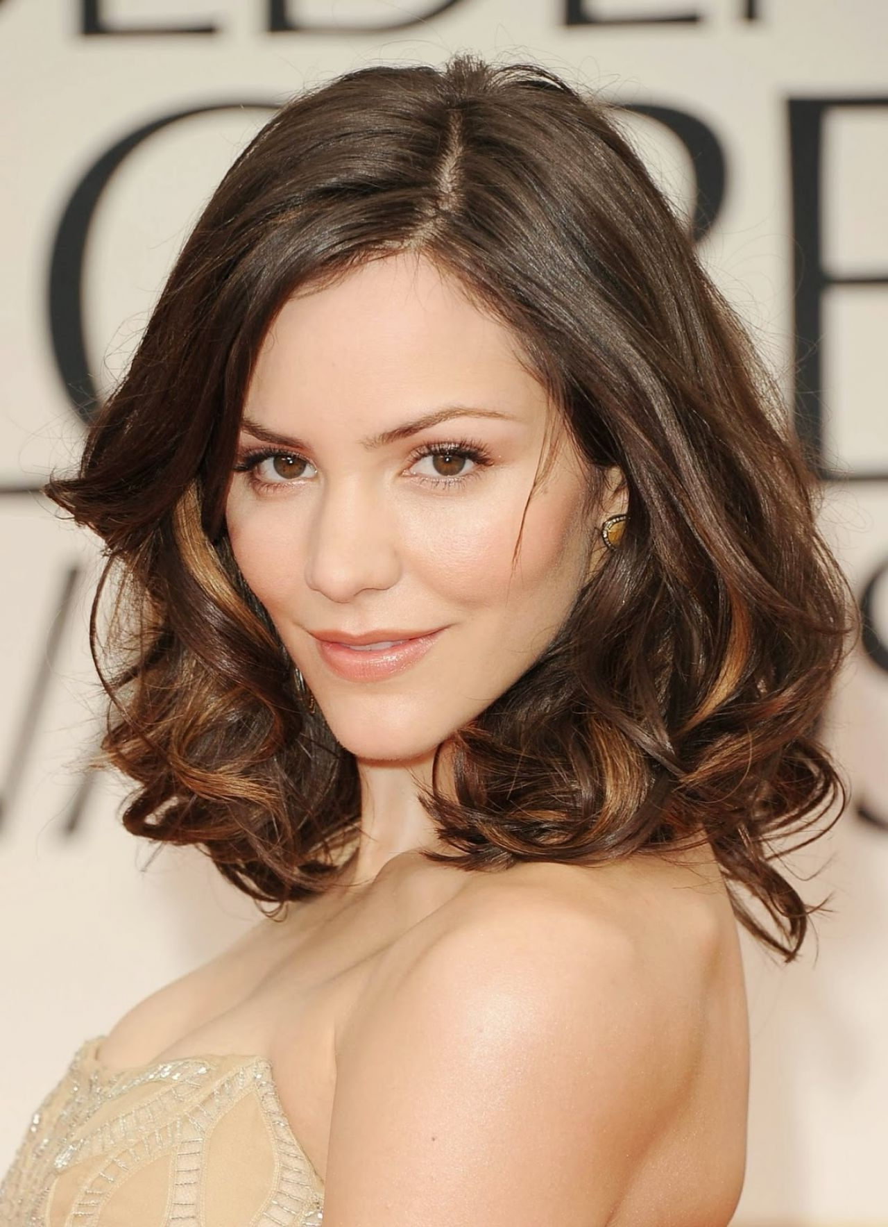 Most Popular Medium Haircuts For Thin Wavy Hair With Women Hairstyle : Medium Wavy Haircuts Fine Hair Length Hairstyle (View 13 of 20)