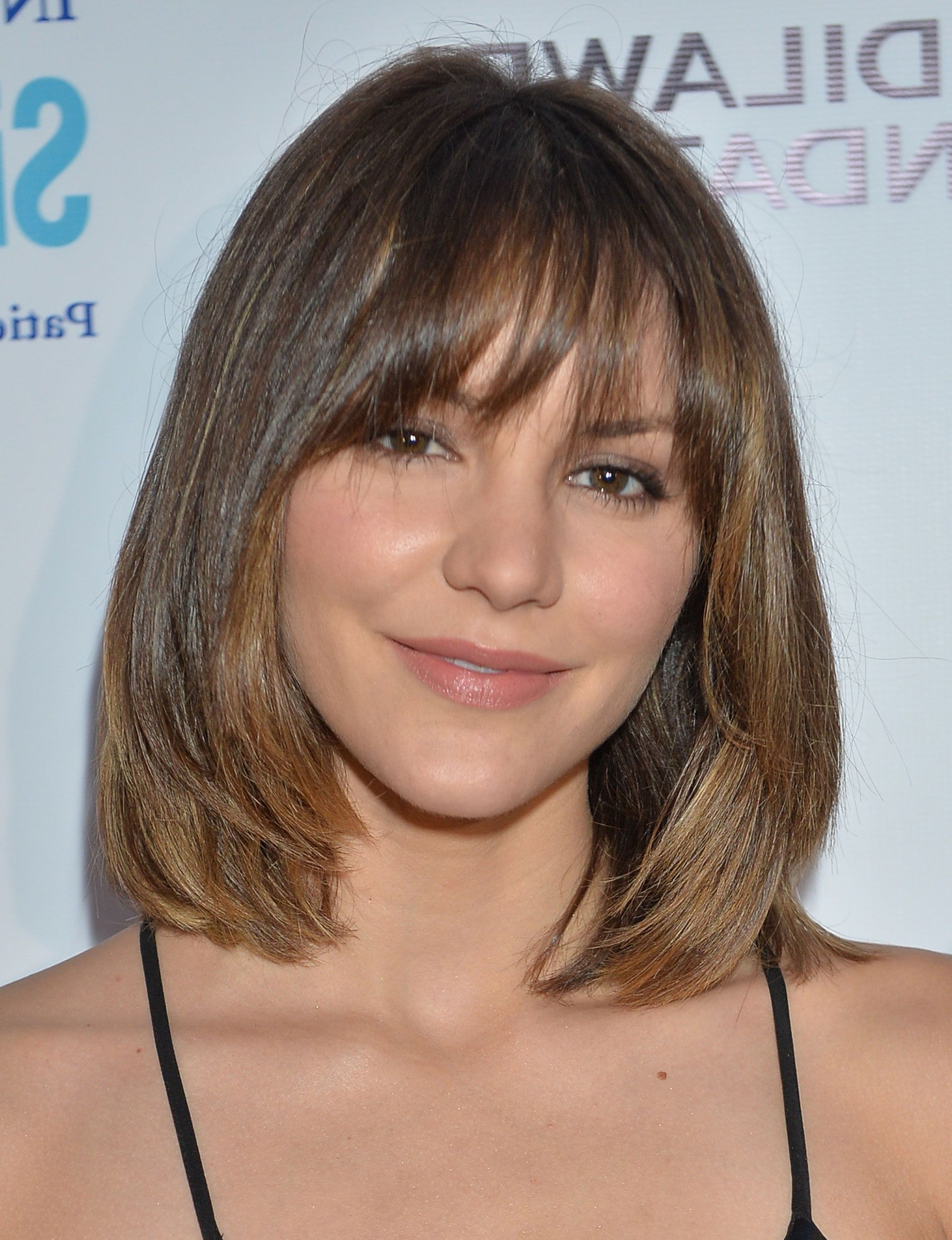 Most Popular Medium Hairstyles For Curvy Women In Best Bob For Your Face Shape – Celebrity Bob Hairstyle (View 15 of 20)