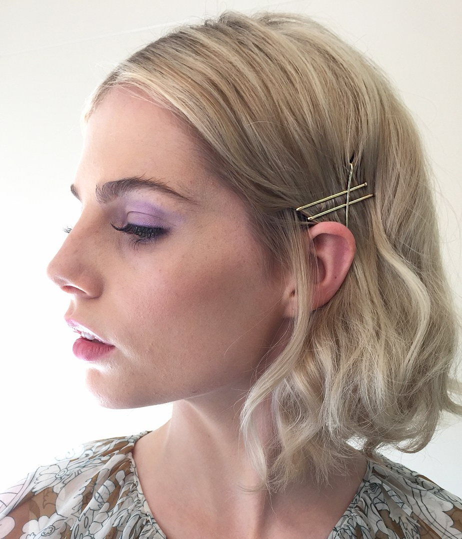 Most Popular Medium Hairstyles With Bobby Pins In 25 Bobby Pin Hairstyles You Haven't Tried But Should – Glamour (View 12 of 20)