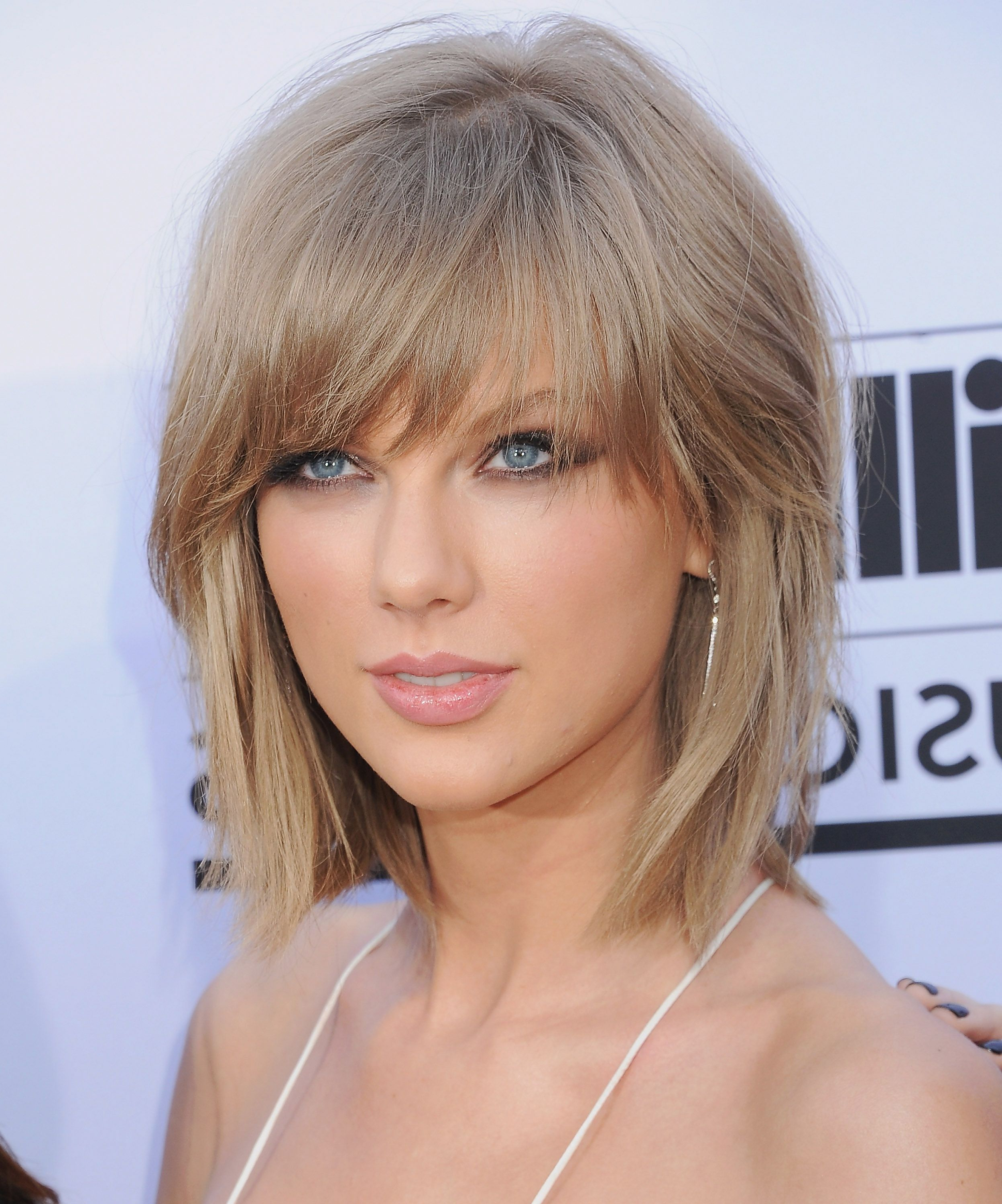 Most Popular Medium Hairstyles With Layers And Side Bangs Regarding 40 Best Layered Haircuts, Hairstyles & Trends For (View 12 of 20)