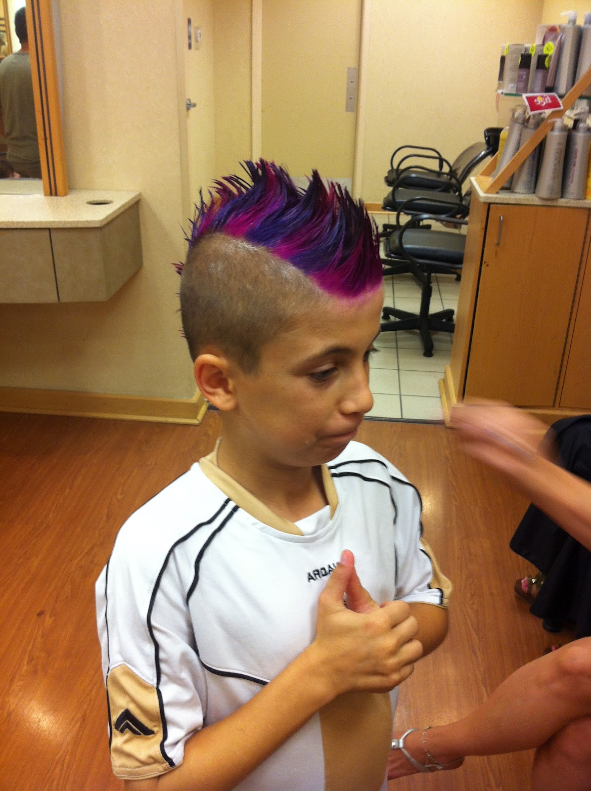 Most Popular Pink And Purple Mohawk Hairstyles With Omglitzy: Pink And Purple Hair! (View 11 of 20)