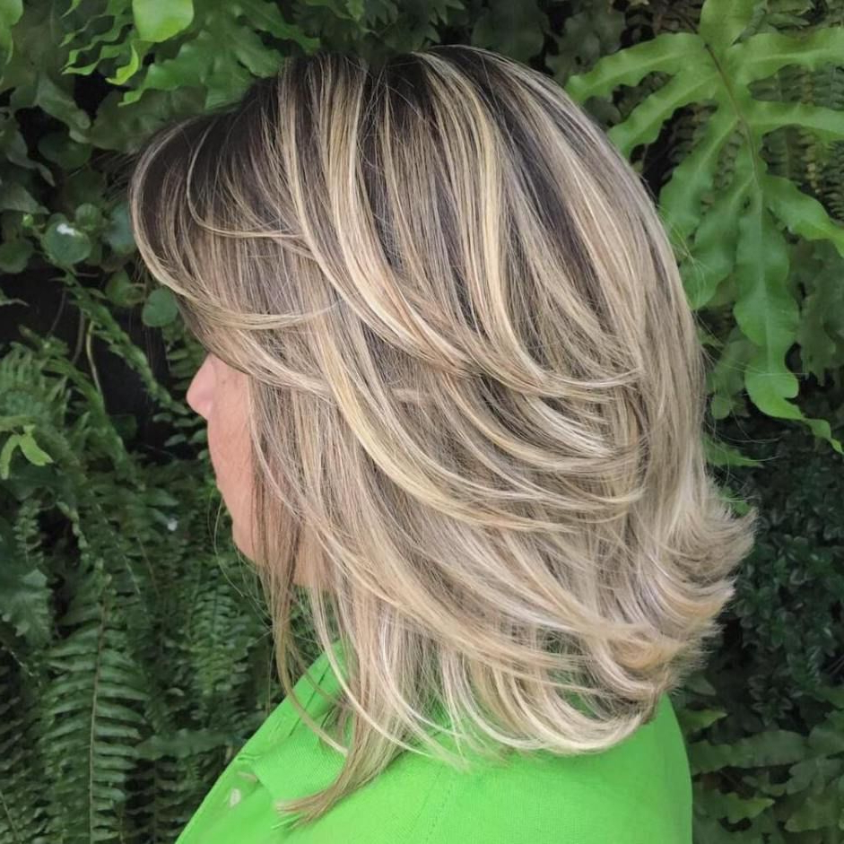 Featured Photo of Flipped Lob Hairstyles With Swoopy Back Swept Layers