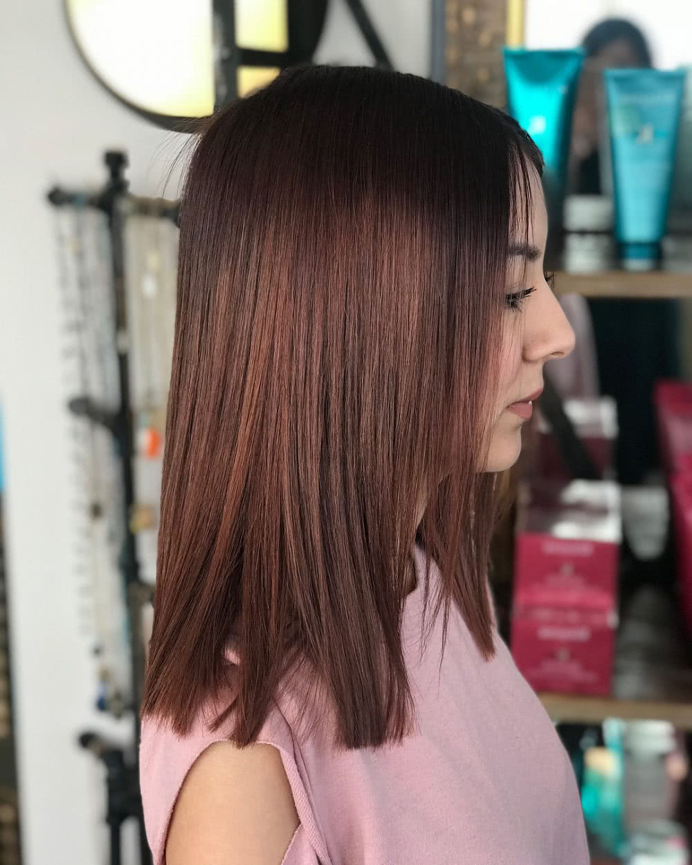 Most Recent Medium Haircuts With Layers For Round Faces Within 17 Flattering Medium Hairstyles For Round Faces In (View 10 of 20)